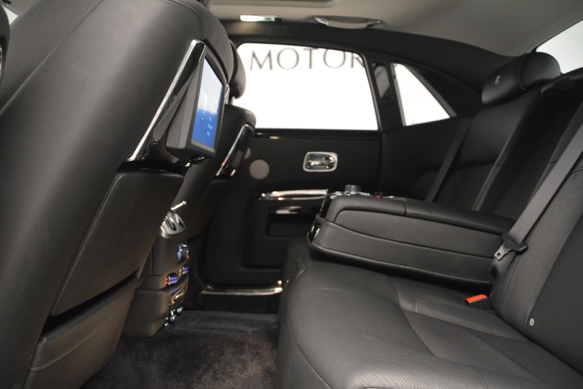 Used 2012 Rolls-Royce Ghost  For Sale In Greenwich, CT 2447_p19
