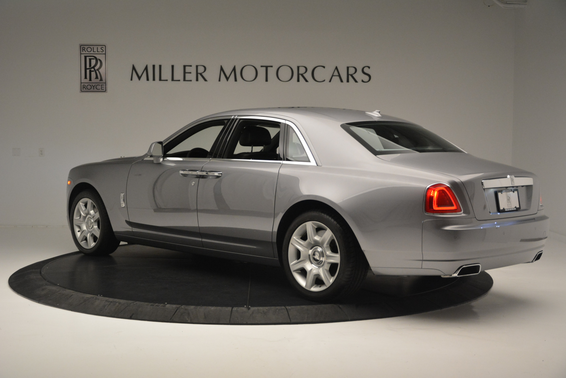 Used 2012 Rolls-Royce Ghost  For Sale In Greenwich, CT 2447_p5
