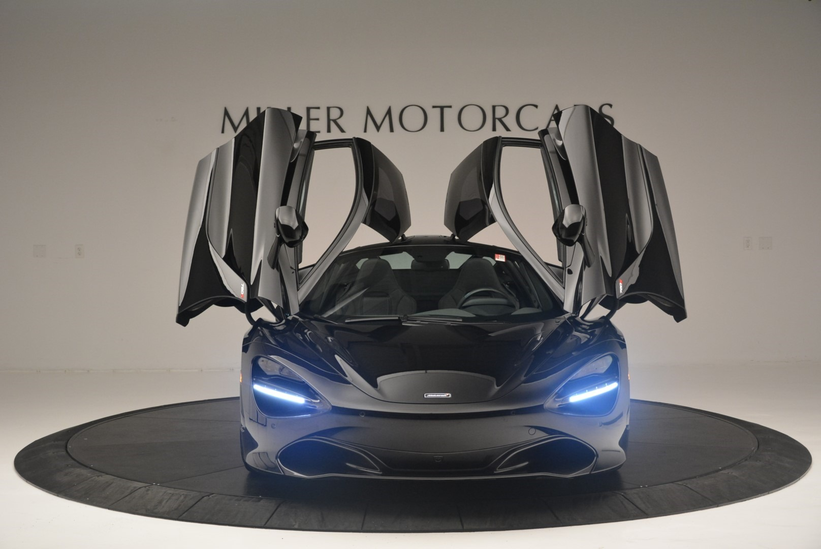 Used 2018 McLaren 720S Coupe For Sale In Greenwich, CT 2449_p13