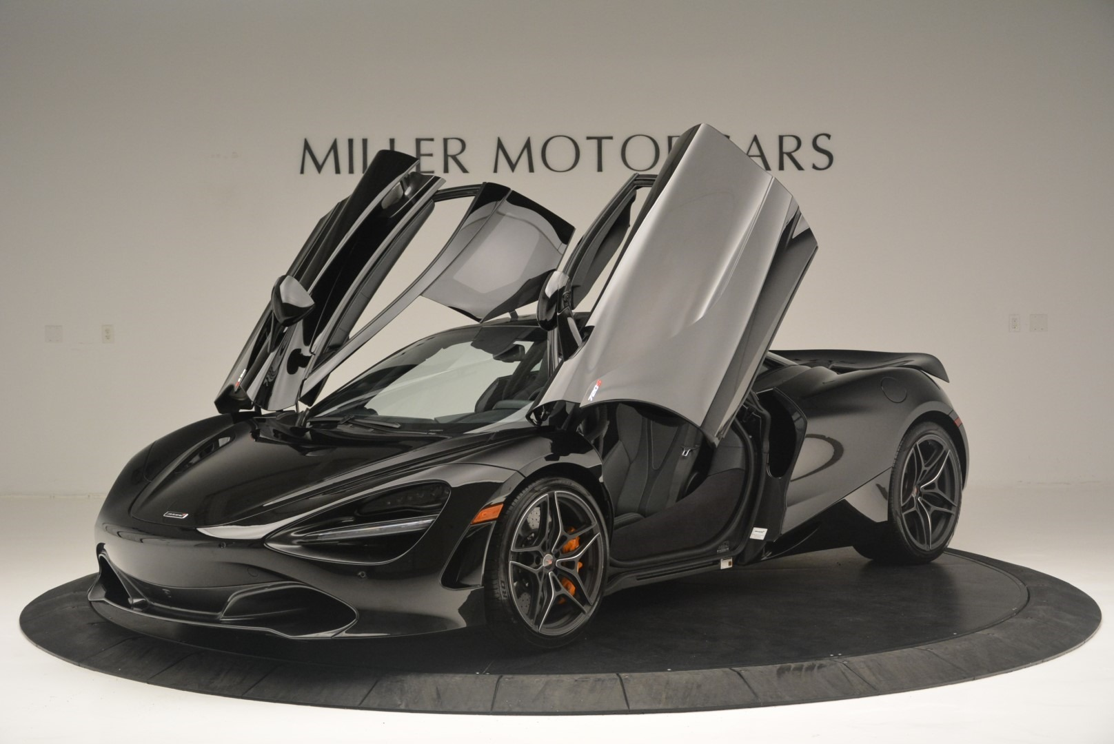 Used 2018 McLaren 720S Coupe For Sale In Greenwich, CT 2449_p14