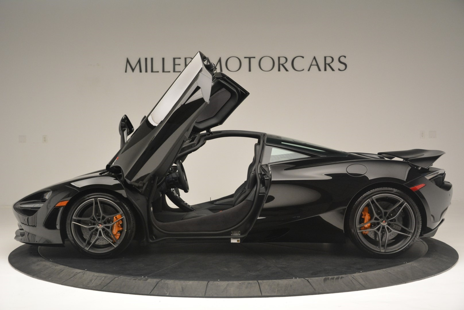 Used 2018 McLaren 720S Coupe For Sale In Greenwich, CT 2449_p15