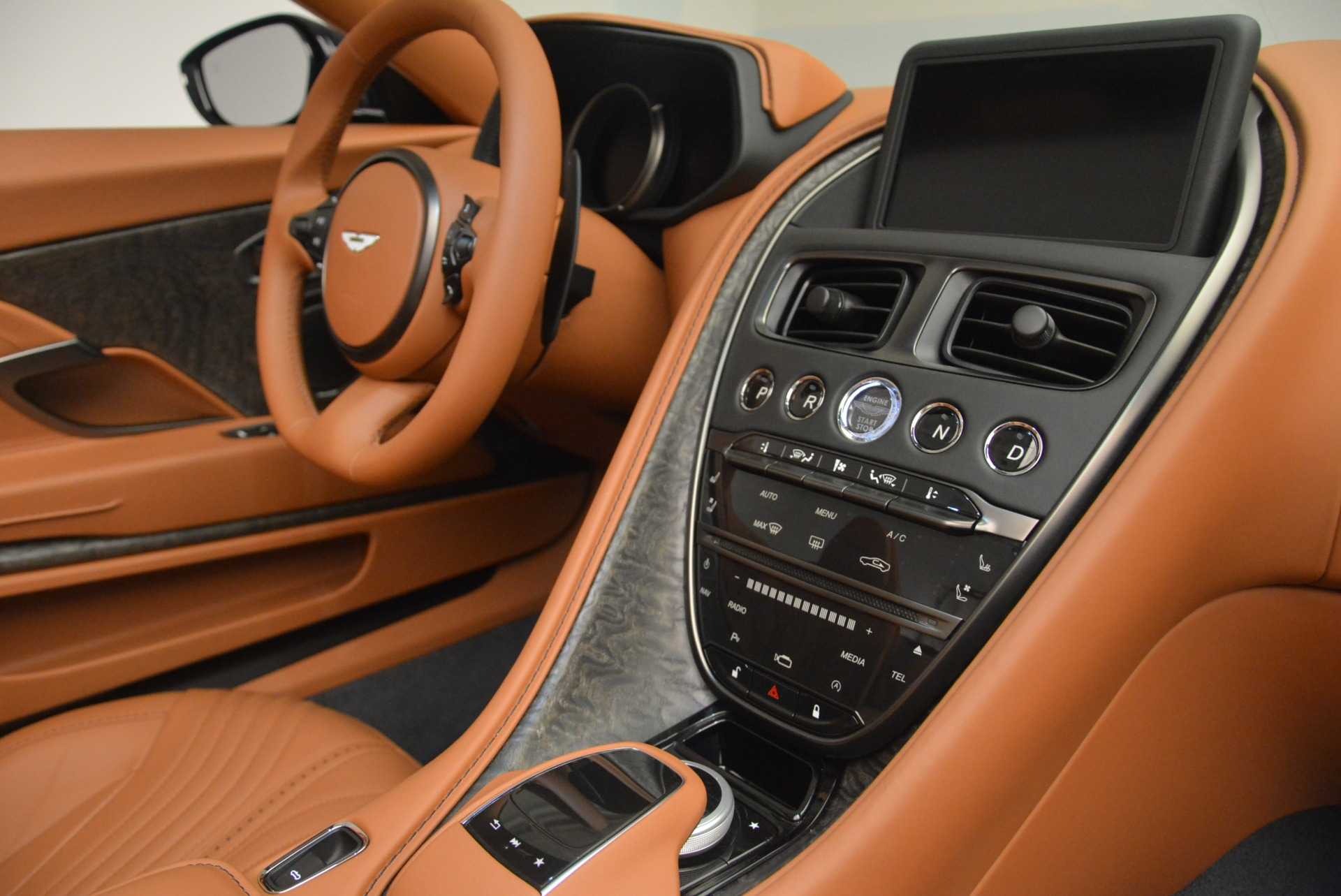 New 2019 Aston Martin DB11 Volante Volante For Sale In Greenwich, CT 2450_p26