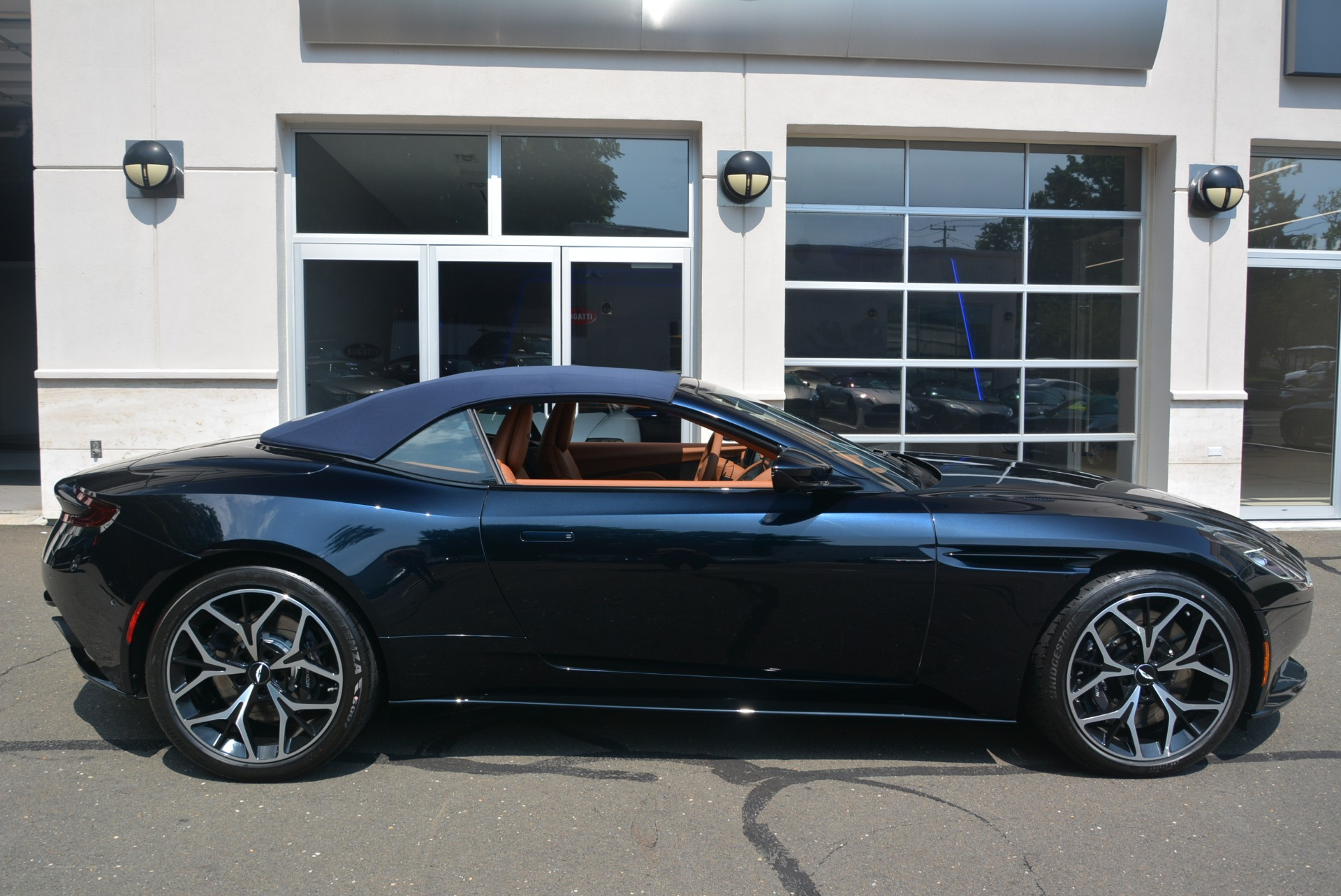 New 2019 Aston Martin DB11 Volante Volante For Sale In Greenwich, CT 2450_p29