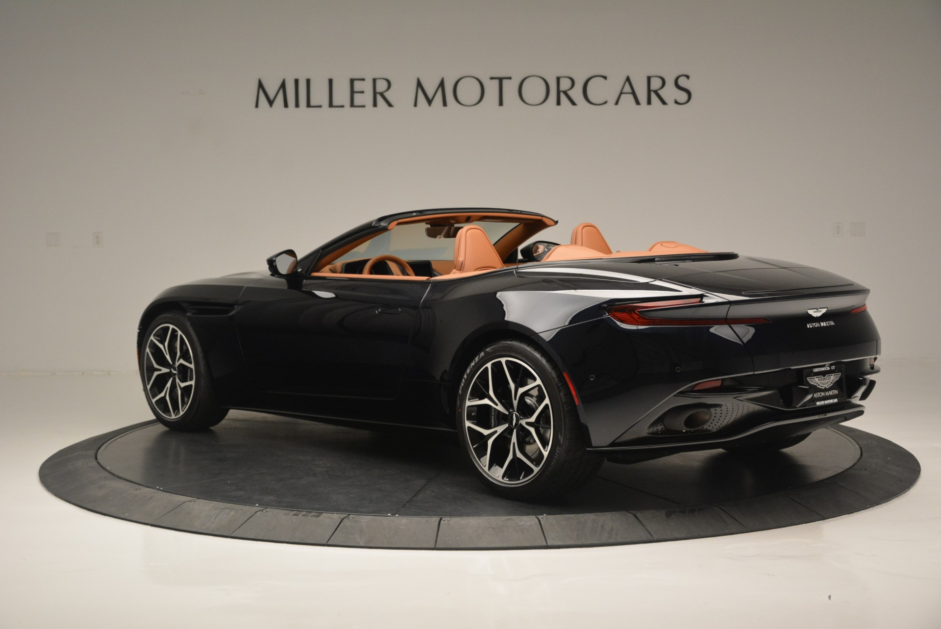 New 2019 Aston Martin DB11 Volante Volante For Sale In Greenwich, CT 2450_p4
