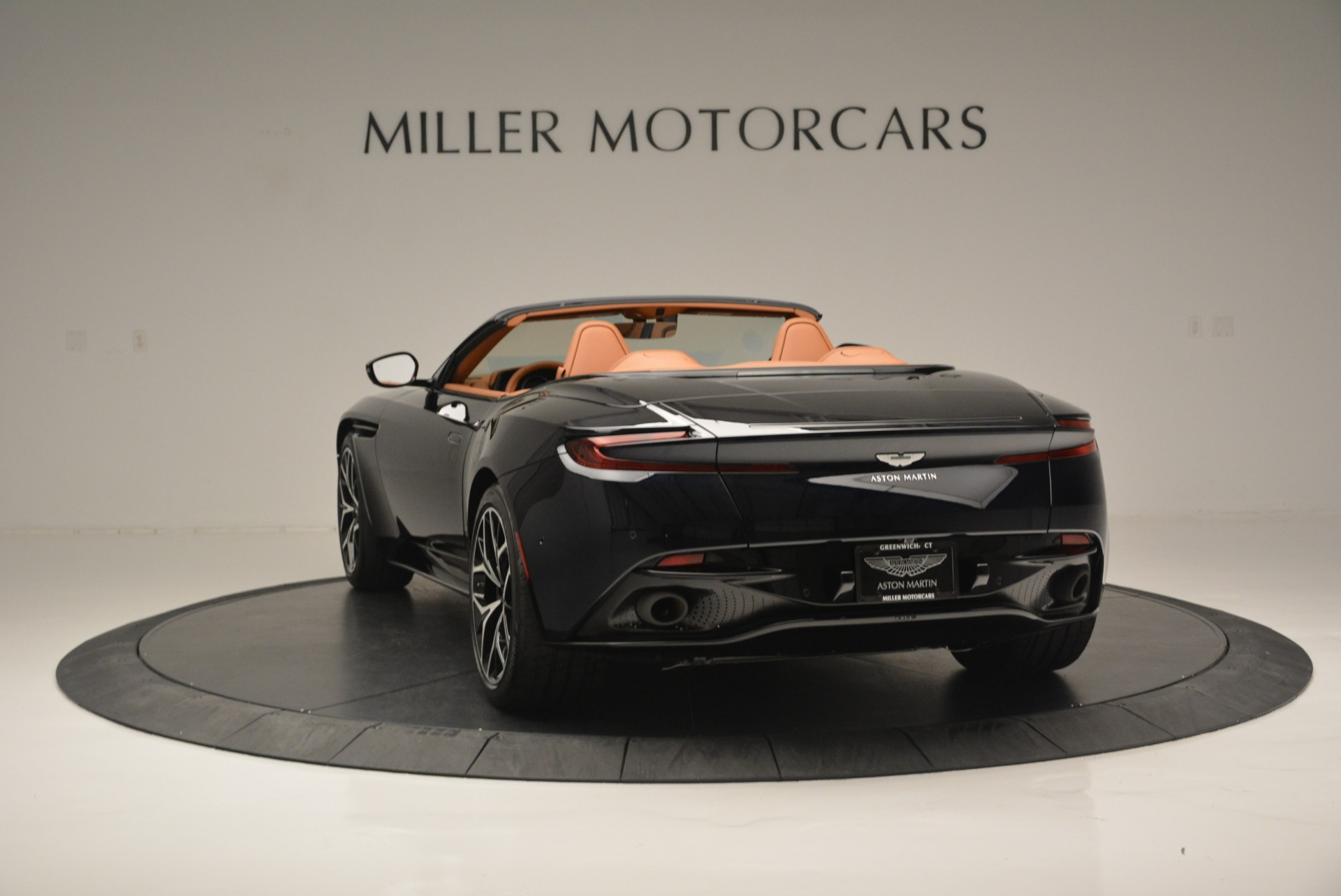 New 2019 Aston Martin DB11 Volante Volante For Sale In Greenwich, CT 2450_p5