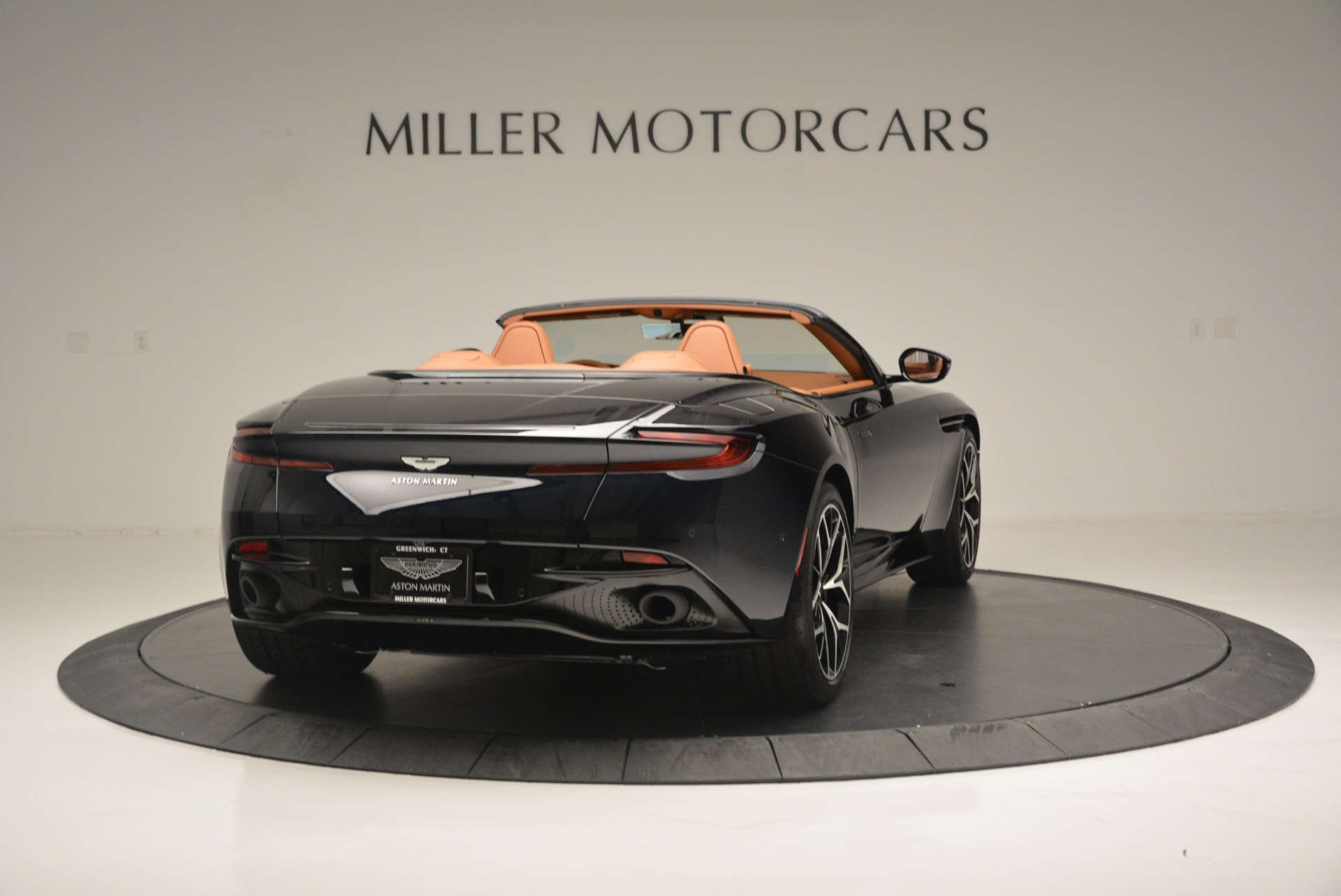 New 2019 Aston Martin DB11 Volante Volante For Sale In Greenwich, CT 2450_p7