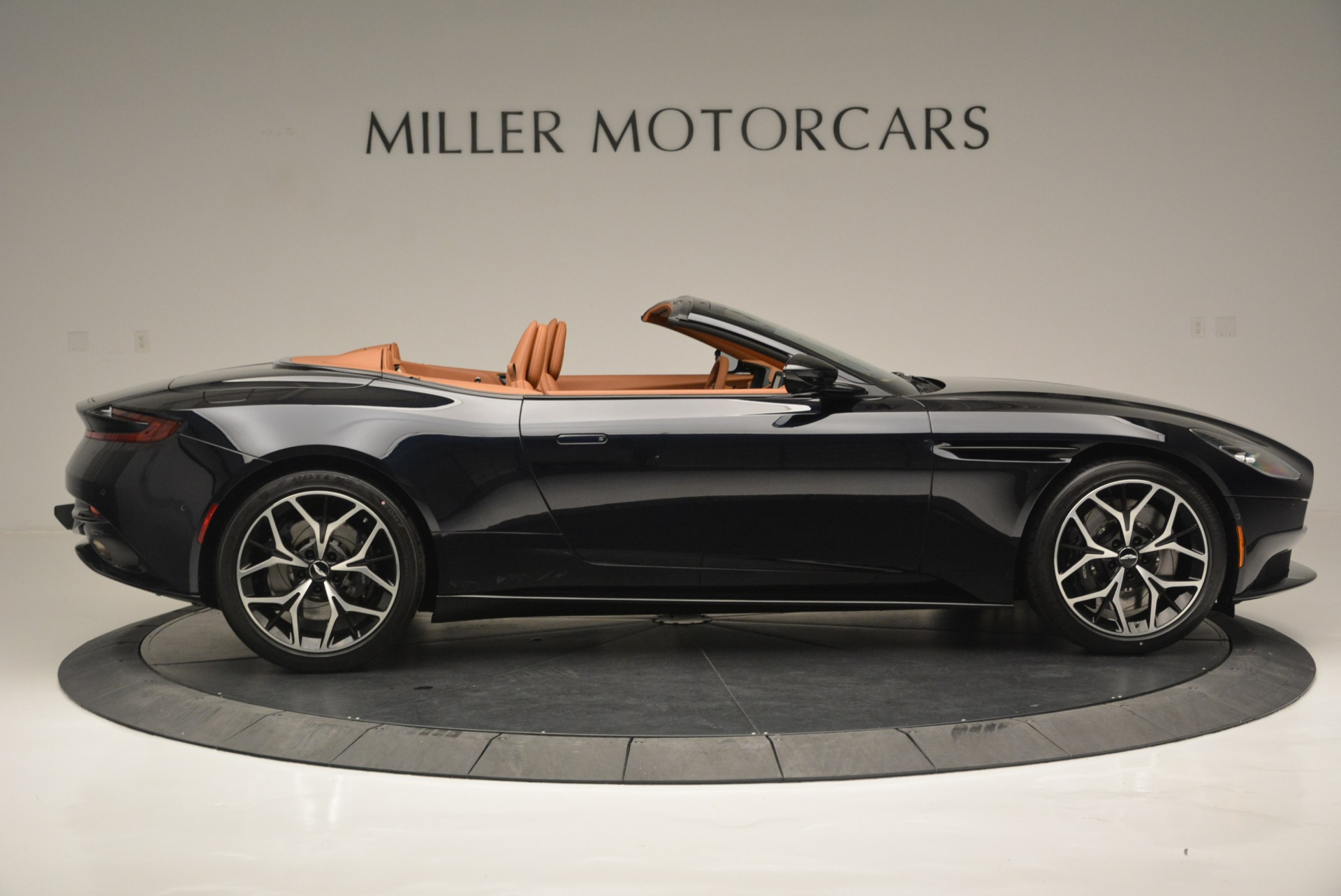New 2019 Aston Martin DB11 Volante Volante For Sale In Greenwich, CT 2450_p9