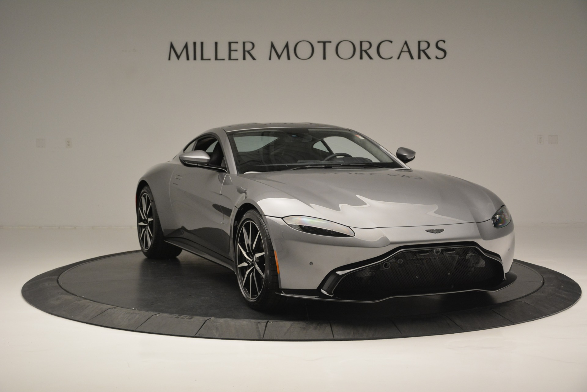New 2019 Aston Martin Vantage  For Sale In Greenwich, CT 2452_p11