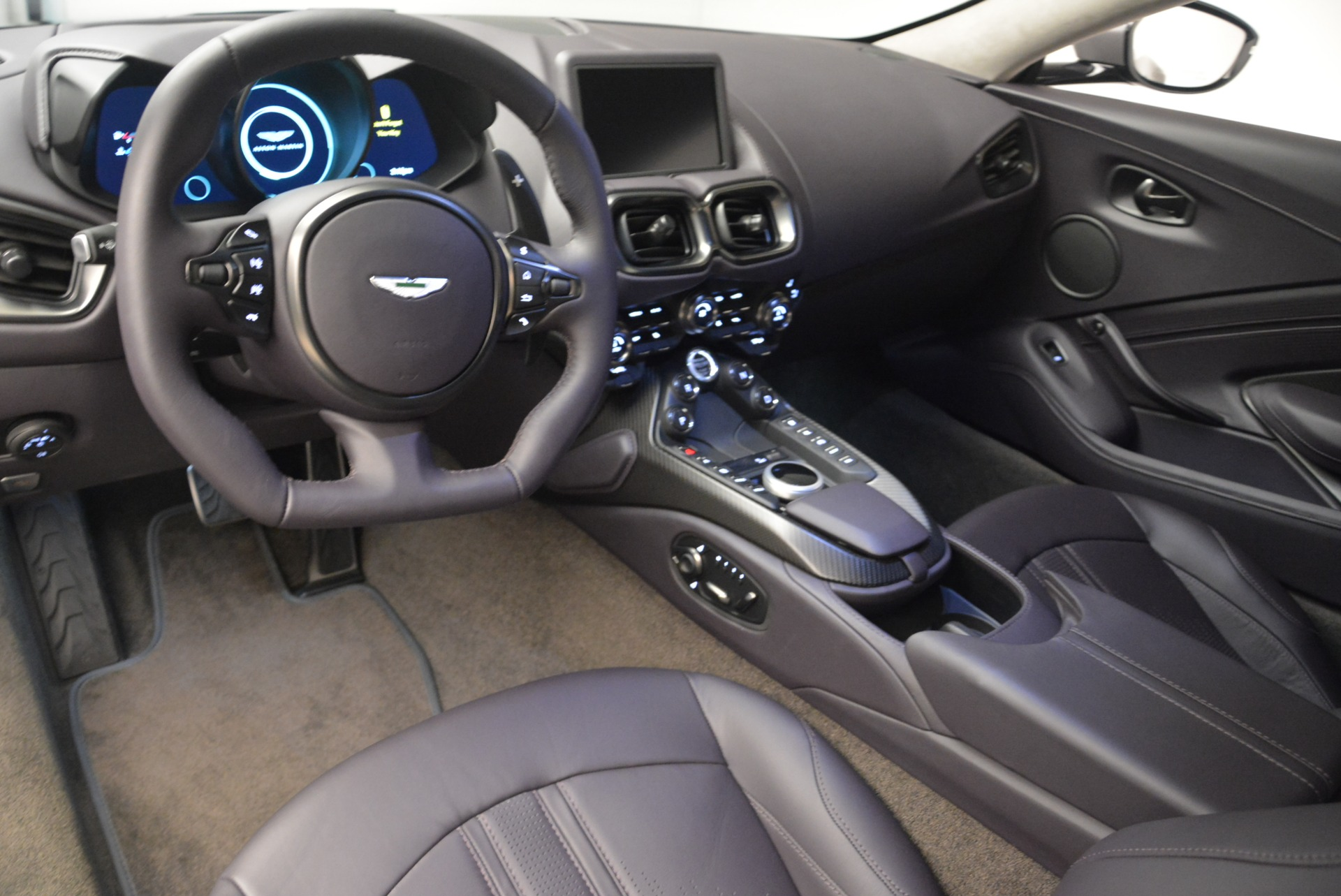 New 2019 Aston Martin Vantage  For Sale In Greenwich, CT 2452_p14