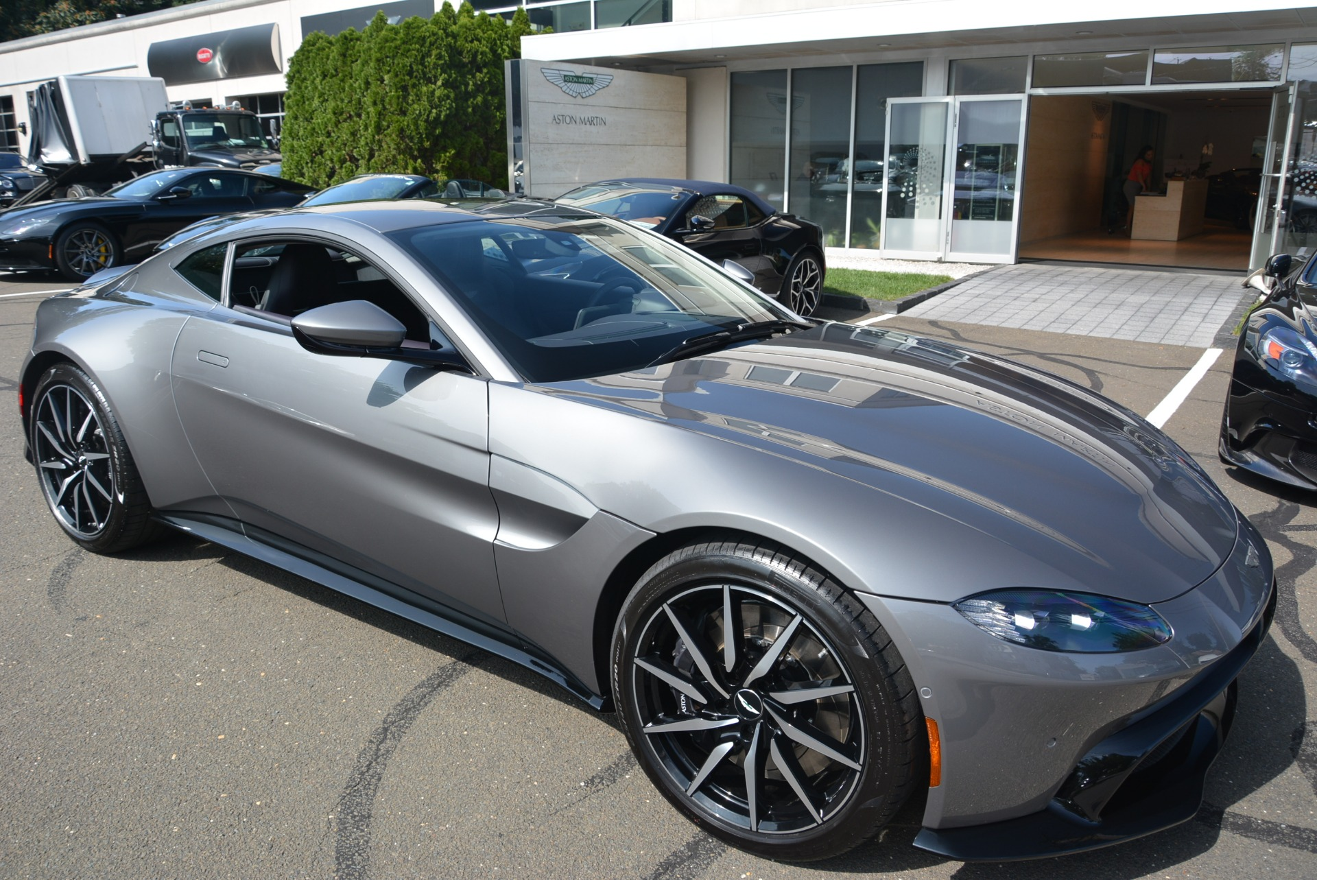 New 2019 Aston Martin Vantage  For Sale In Greenwich, CT 2452_p24