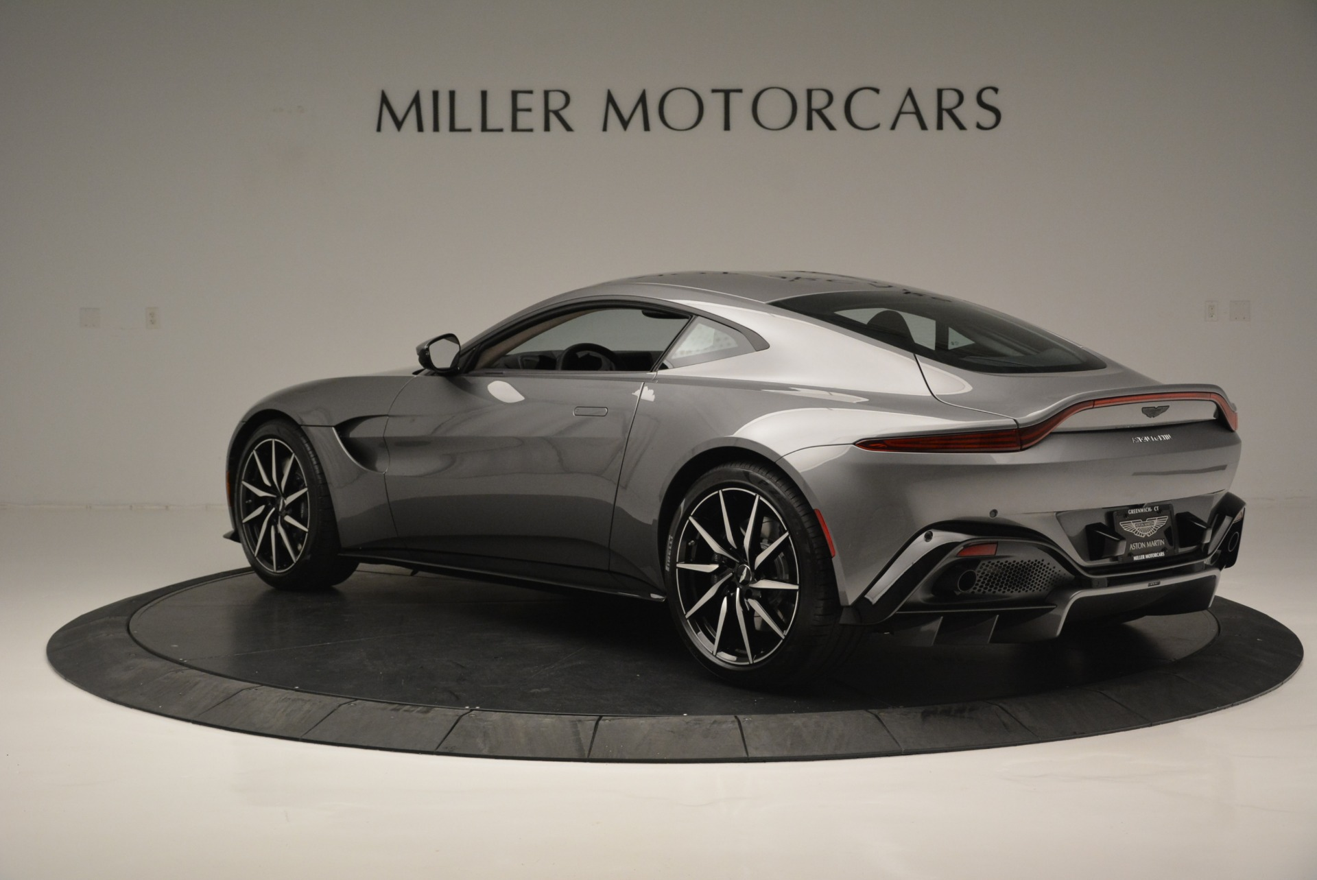 New 2019 Aston Martin Vantage  For Sale In Greenwich, CT 2452_p4