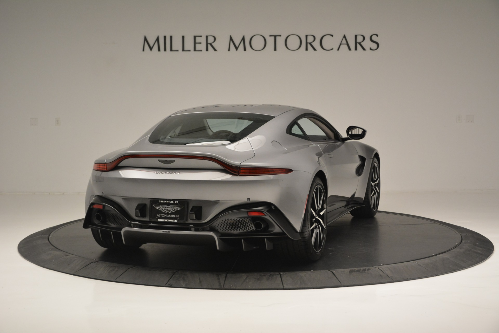 New 2019 Aston Martin Vantage  For Sale In Greenwich, CT 2452_p7
