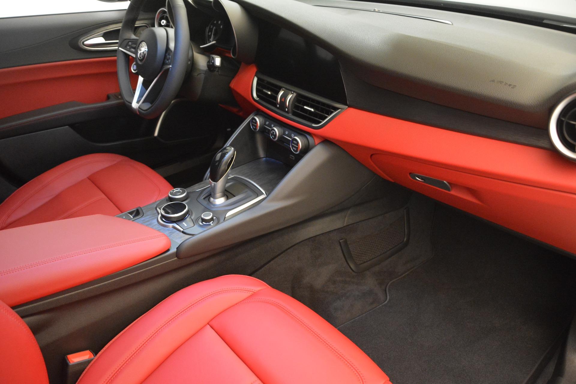 New 2018 Alfa Romeo Giulia Q4 For Sale In Greenwich, CT 2455_p18