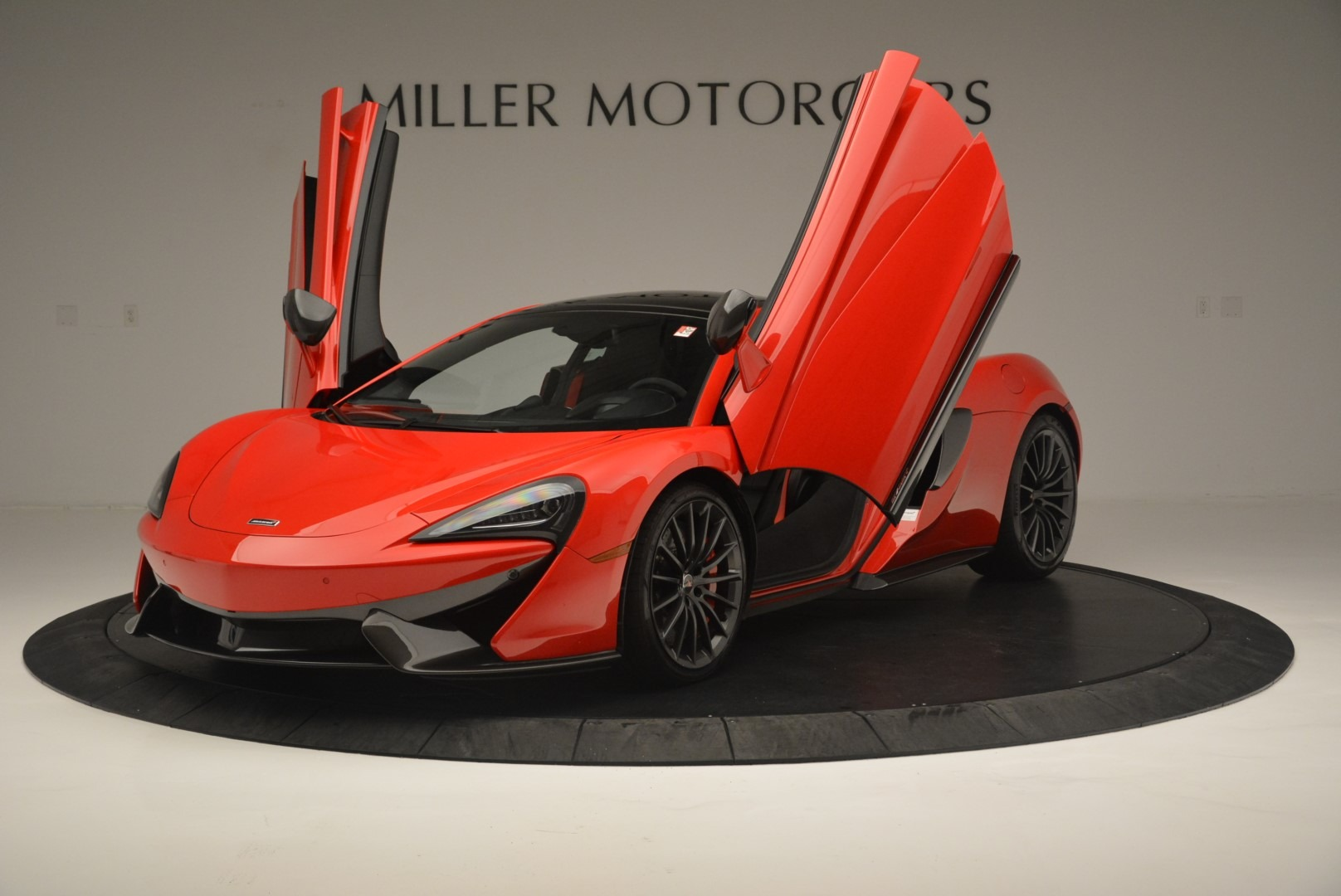 Used 2018 McLaren 570GT  For Sale In Greenwich, CT 2462_p14