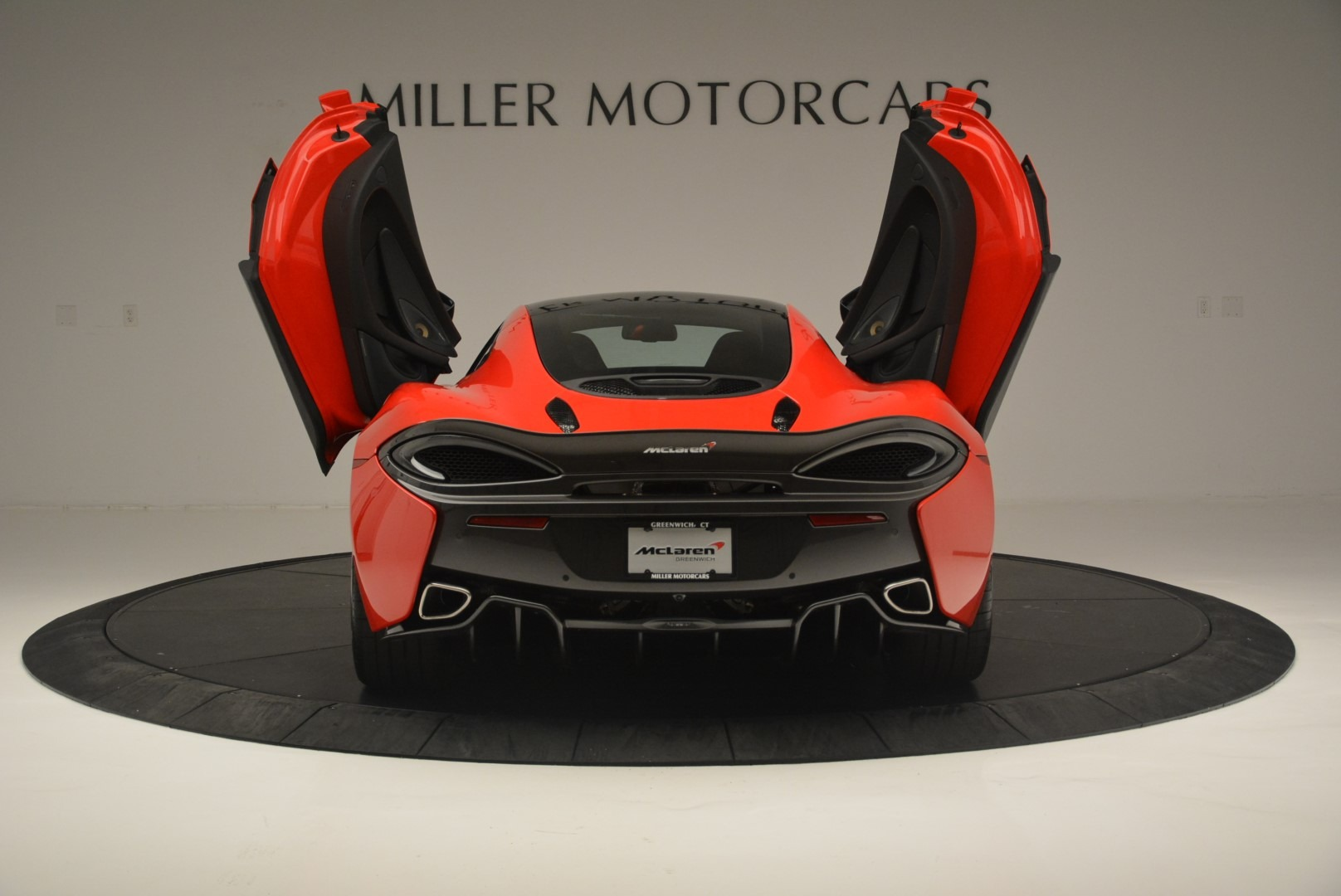 Used 2018 McLaren 570GT  For Sale In Greenwich, CT 2462_p16