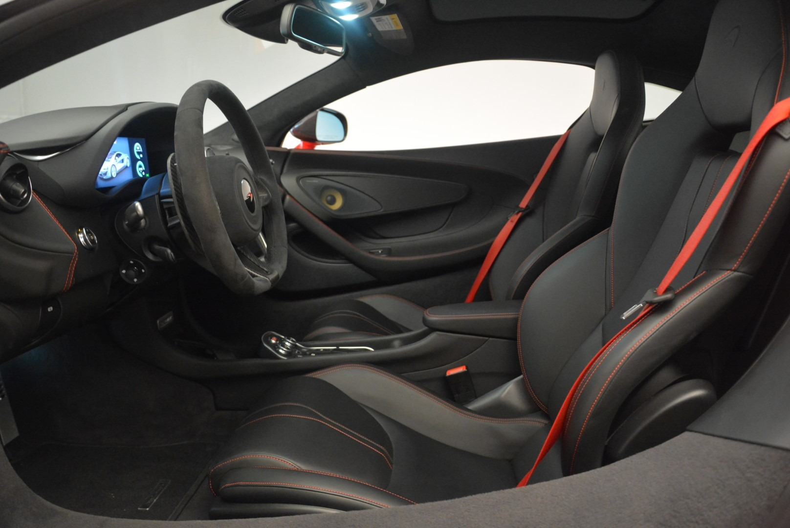 Used 2018 McLaren 570GT  For Sale In Greenwich, CT 2462_p19