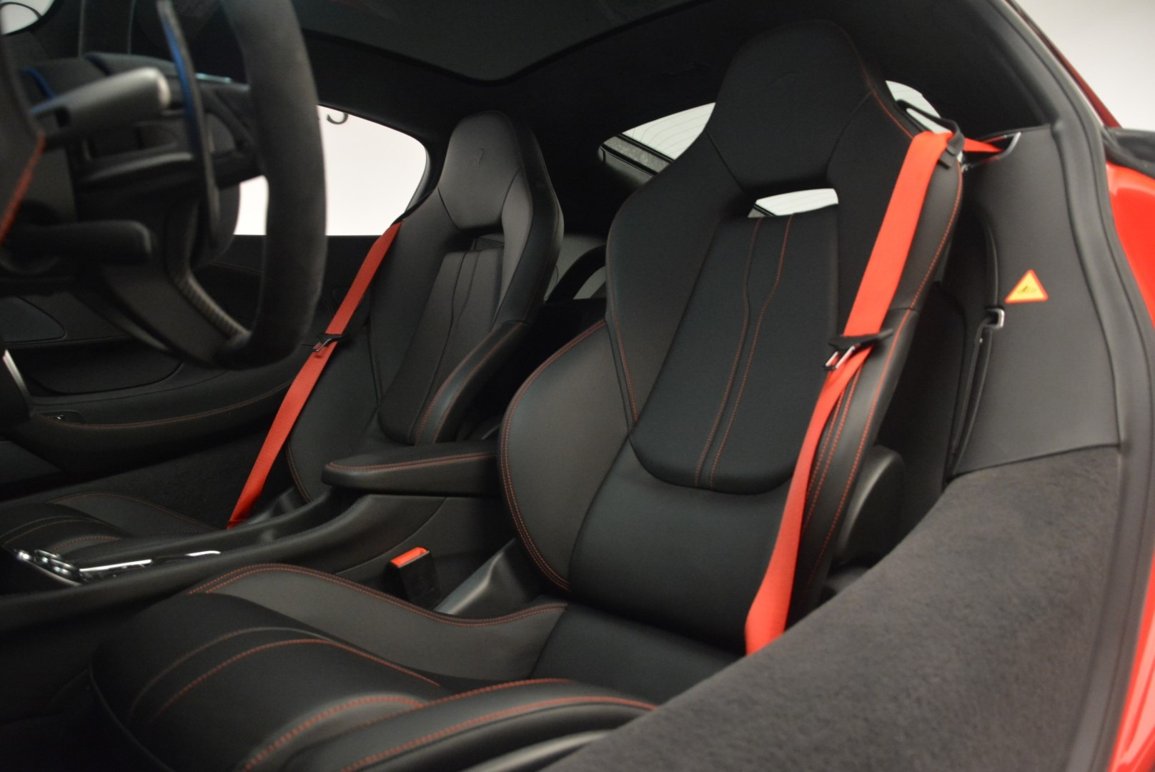 Used 2018 McLaren 570GT  For Sale In Greenwich, CT 2462_p20