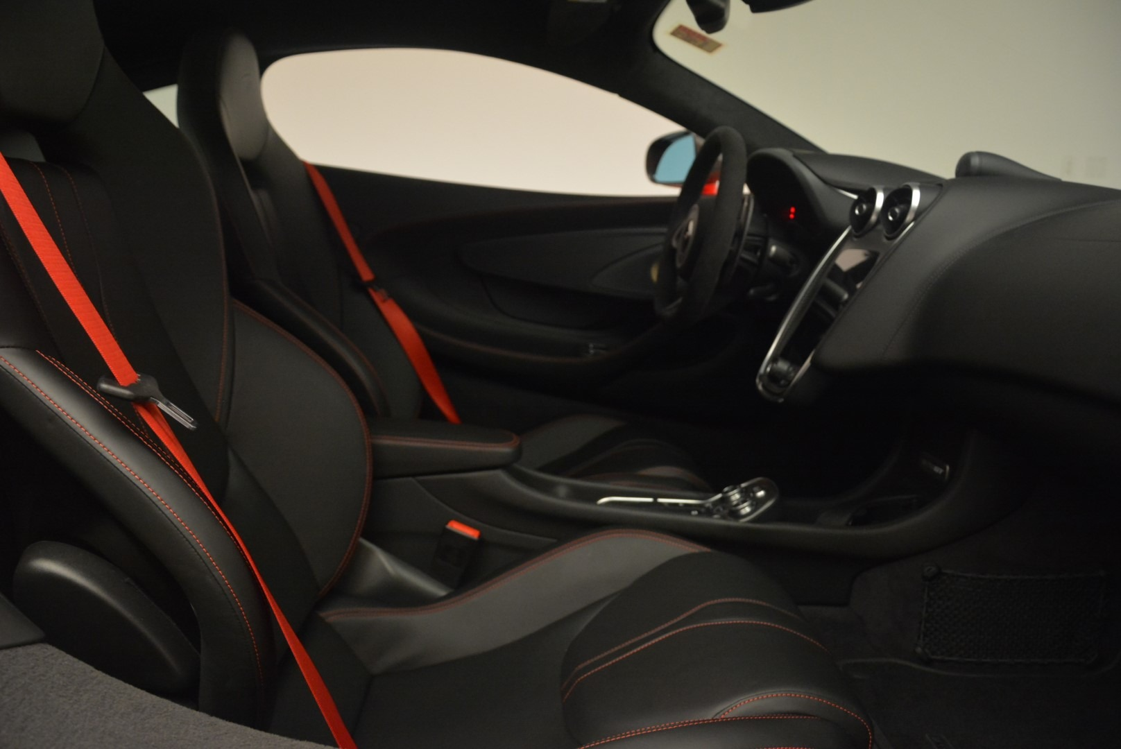 Used 2018 McLaren 570GT  For Sale In Greenwich, CT 2462_p22