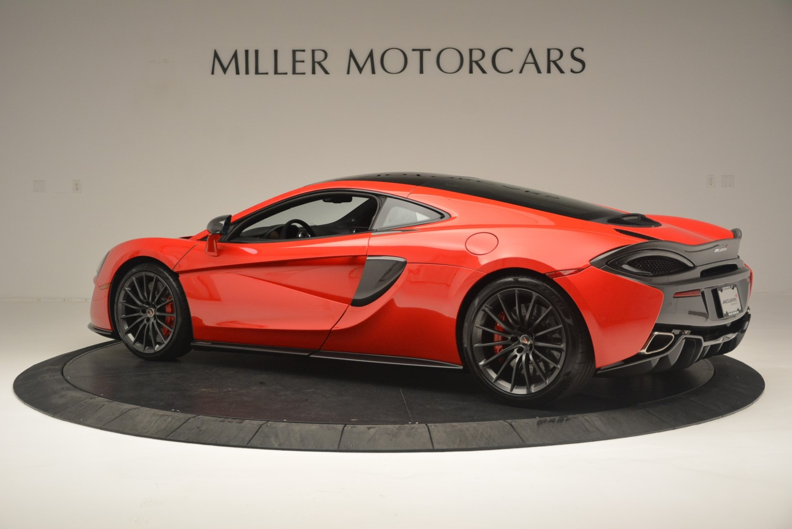 Used 2018 McLaren 570GT  For Sale In Greenwich, CT 2462_p4