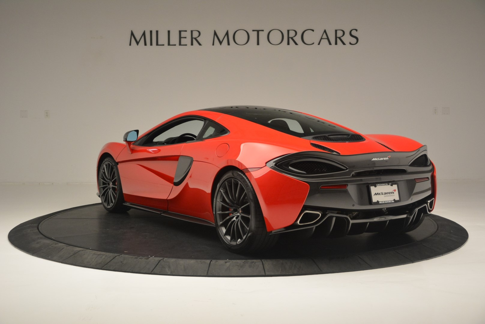 Used 2018 McLaren 570GT  For Sale In Greenwich, CT 2462_p5