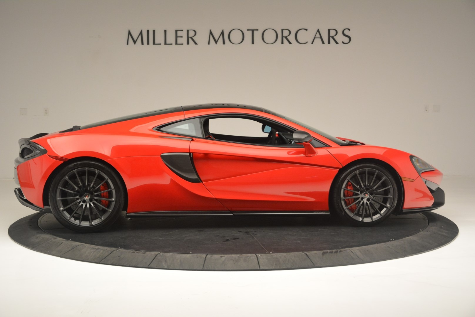 Used 2018 McLaren 570GT  For Sale In Greenwich, CT 2462_p9