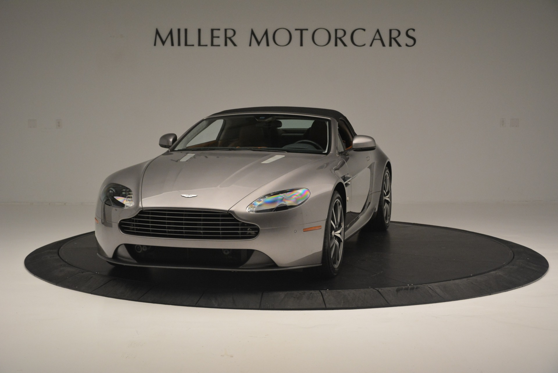 Used 2015 Aston Martin V8 Vantage Roadster For Sale In Greenwich, CT 2463_p13