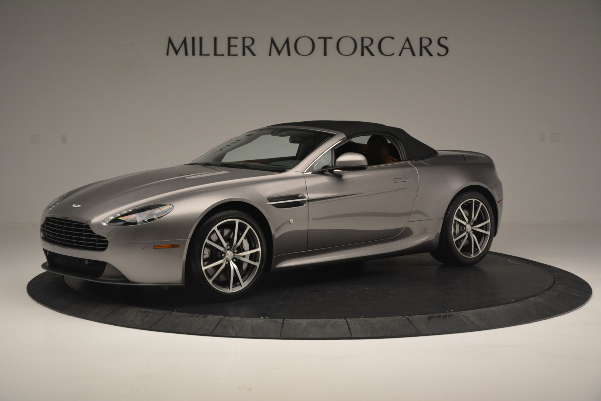 Used 2015 Aston Martin V8 Vantage Roadster For Sale In Greenwich, CT 2463_p14