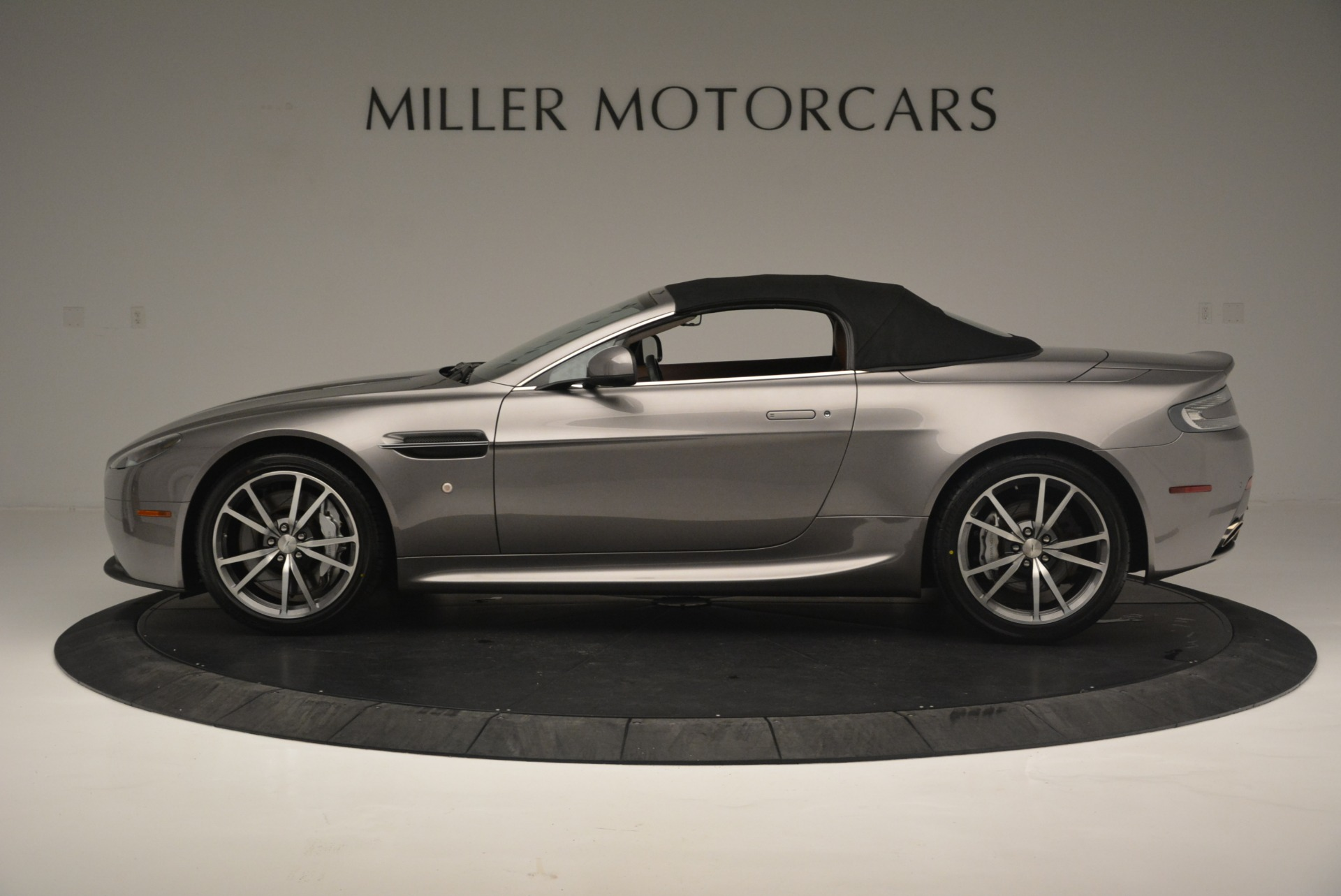 Used 2015 Aston Martin V8 Vantage Roadster For Sale In Greenwich, CT 2463_p15