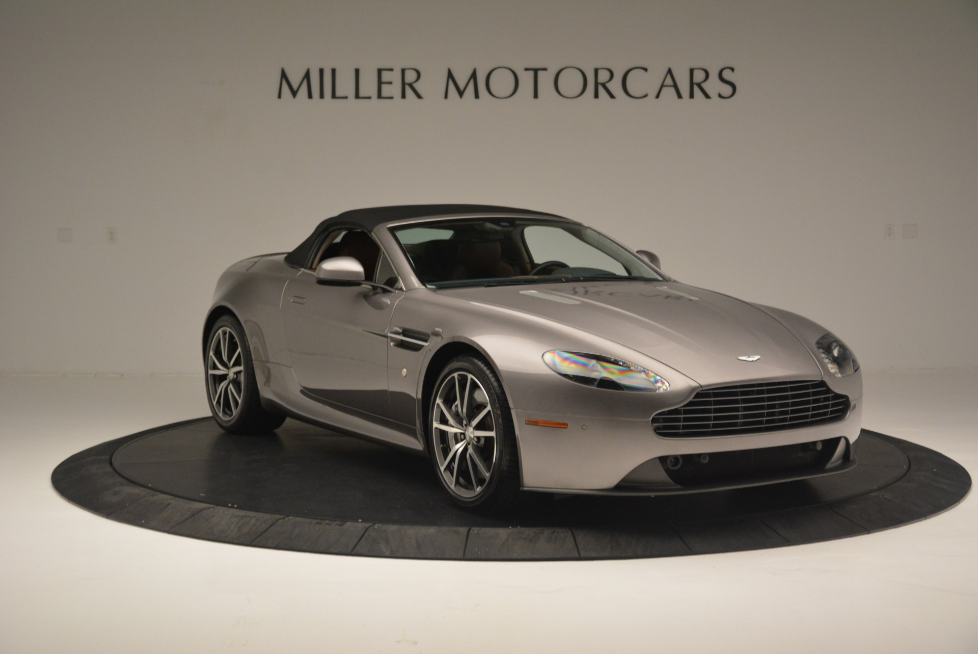 Used 2015 Aston Martin V8 Vantage Roadster For Sale In Greenwich, CT 2463_p18