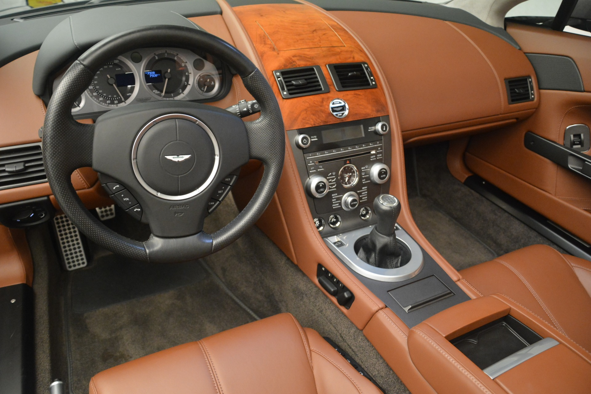 Used 2015 Aston Martin V8 Vantage Roadster For Sale In Greenwich, CT 2463_p20