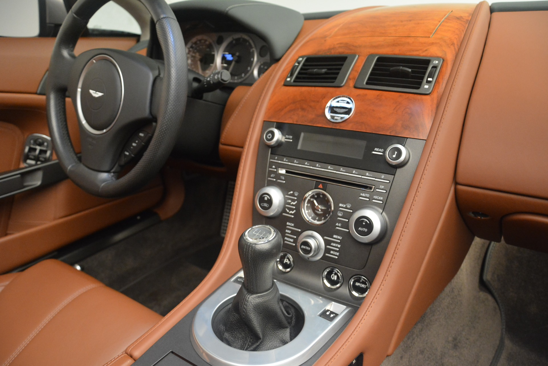 Used 2015 Aston Martin V8 Vantage Roadster For Sale In Greenwich, CT 2463_p23