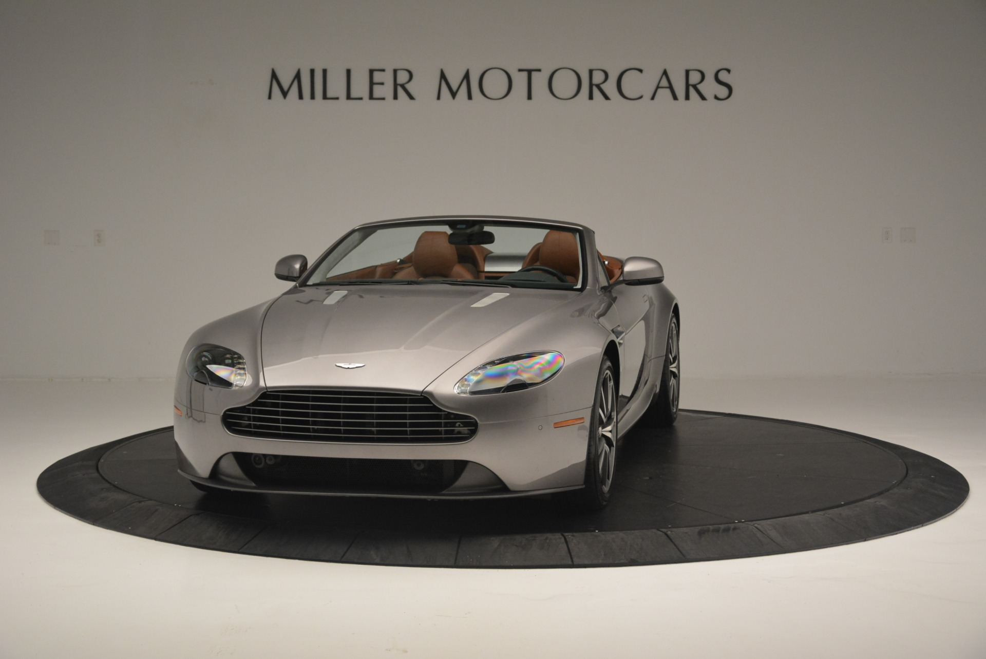 Used 2015 Aston Martin V8 Vantage Roadster For Sale In Greenwich, CT 2463_p2