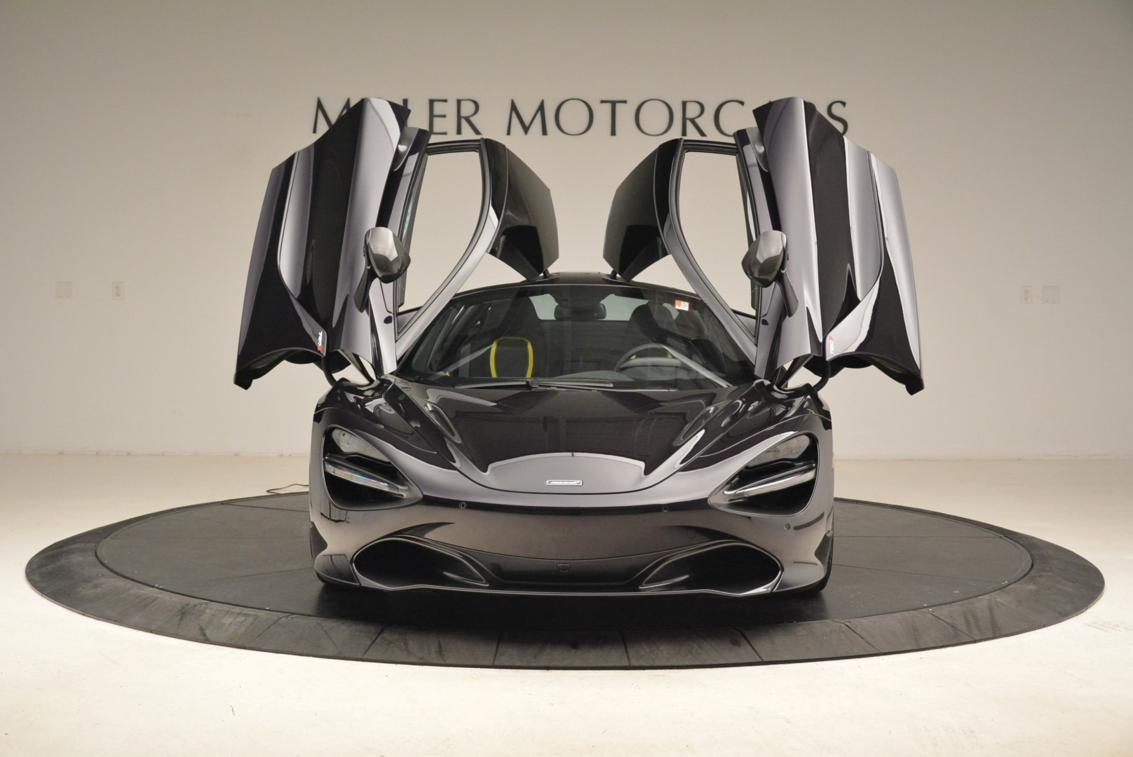 Used 2018 McLaren 720S Coupe For Sale In Greenwich, CT 2474_p13