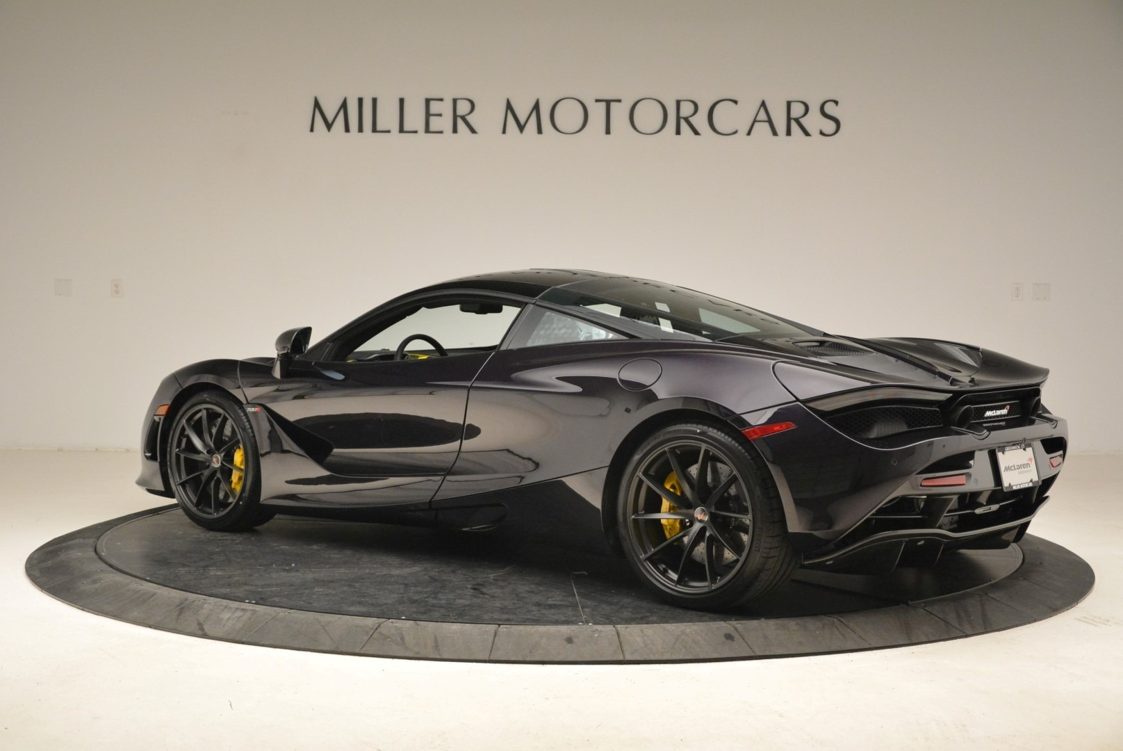 Used 2018 McLaren 720S Coupe For Sale In Greenwich, CT 2474_p4