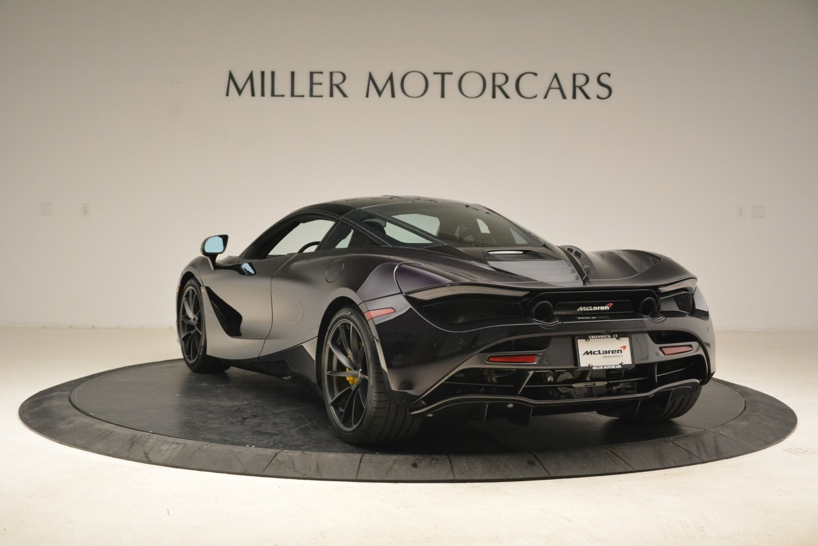Used 2018 McLaren 720S Coupe For Sale In Greenwich, CT 2474_p5