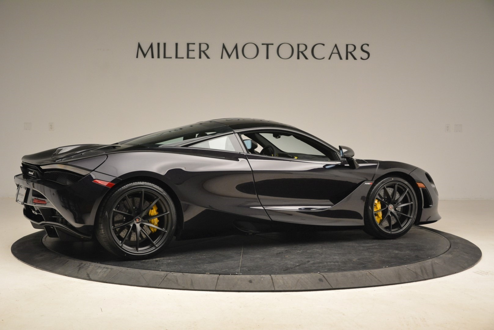 Used 2018 McLaren 720S Coupe For Sale In Greenwich, CT 2474_p8