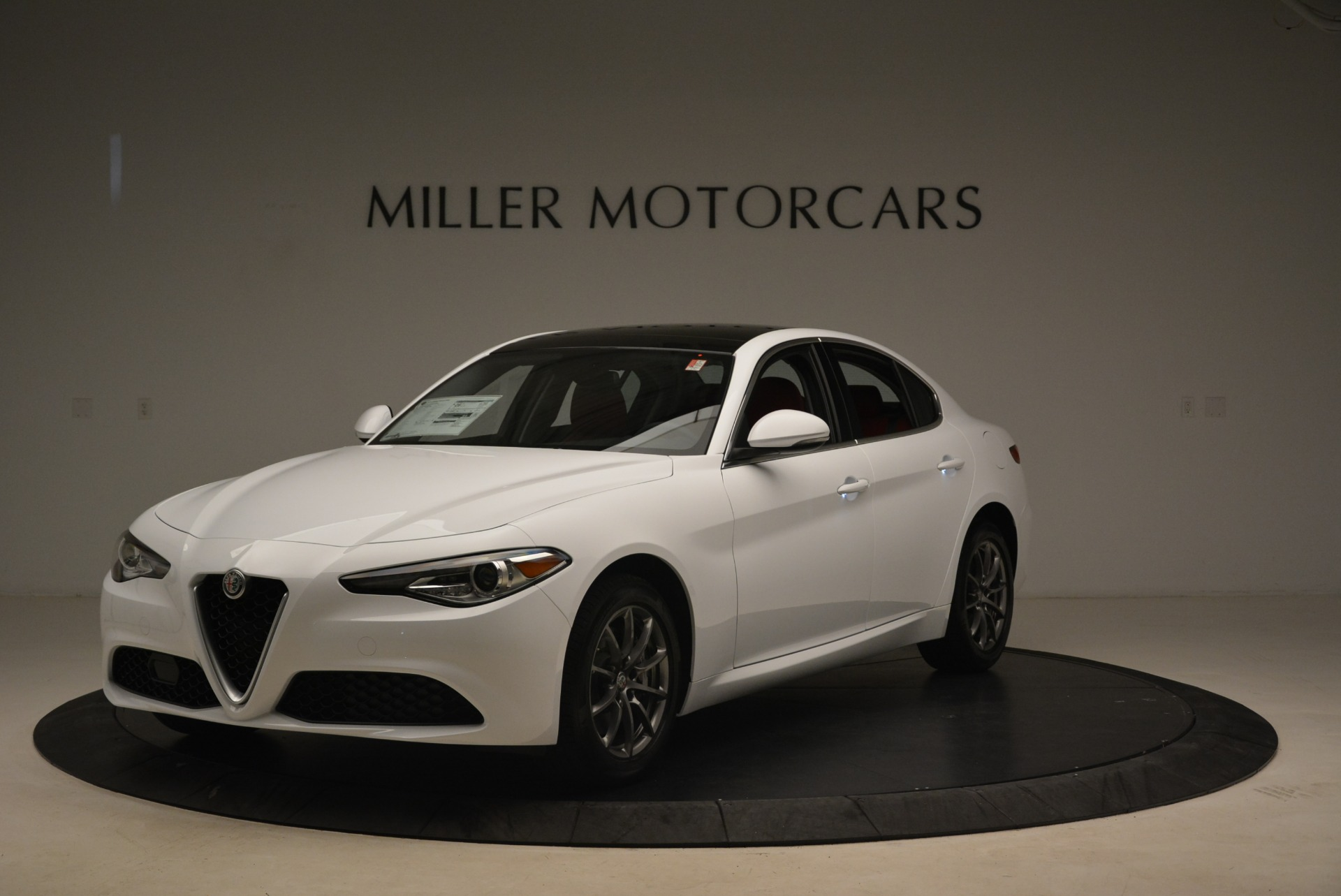 New 2018 Alfa Romeo Giulia Q4 For Sale In Greenwich, CT 2475_main