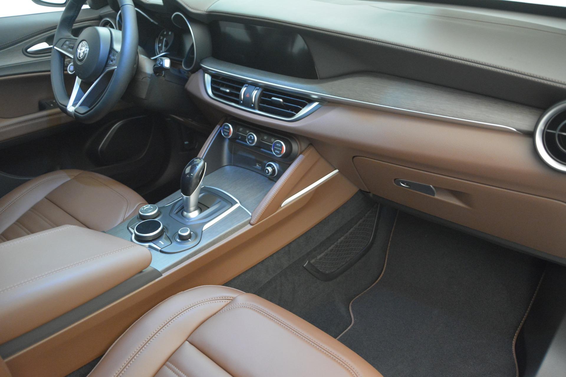 New 2018 Alfa Romeo Stelvio Ti Lusso Q4 For Sale In Greenwich, CT 2482_p18