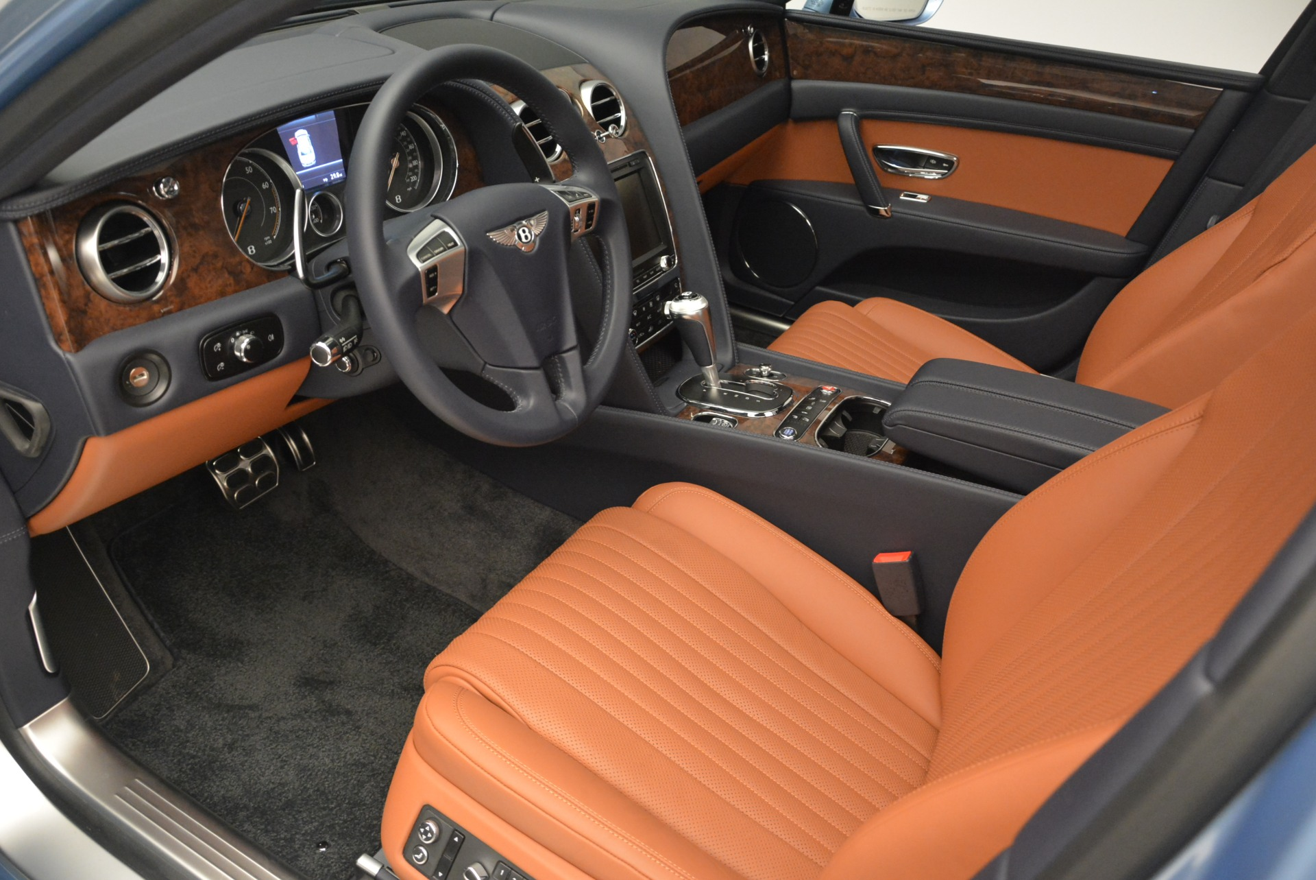 New 2018 Bentley Flying Spur V8 For Sale In Greenwich, CT 2484_p15