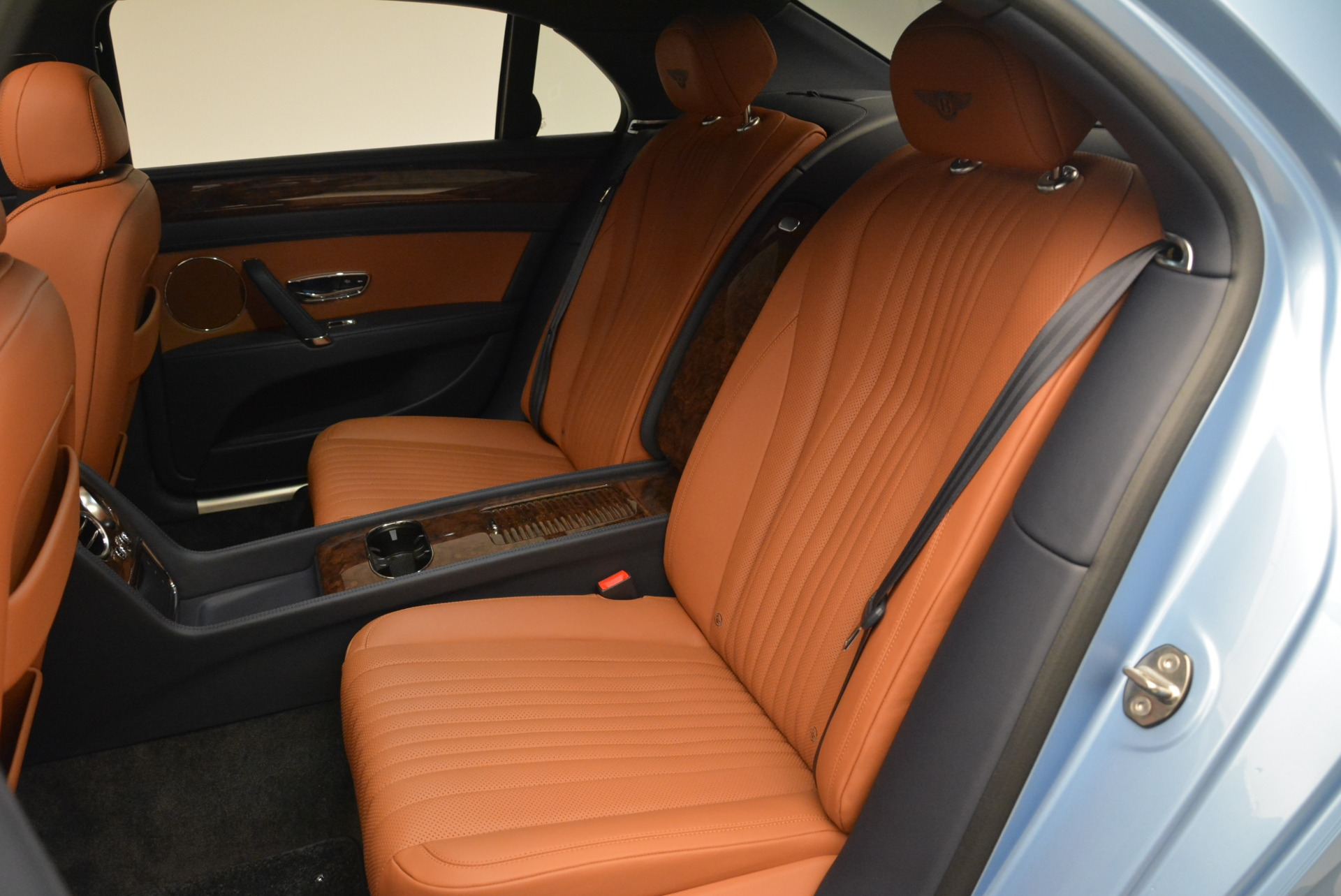 New 2018 Bentley Flying Spur V8 For Sale In Greenwich, CT 2484_p19