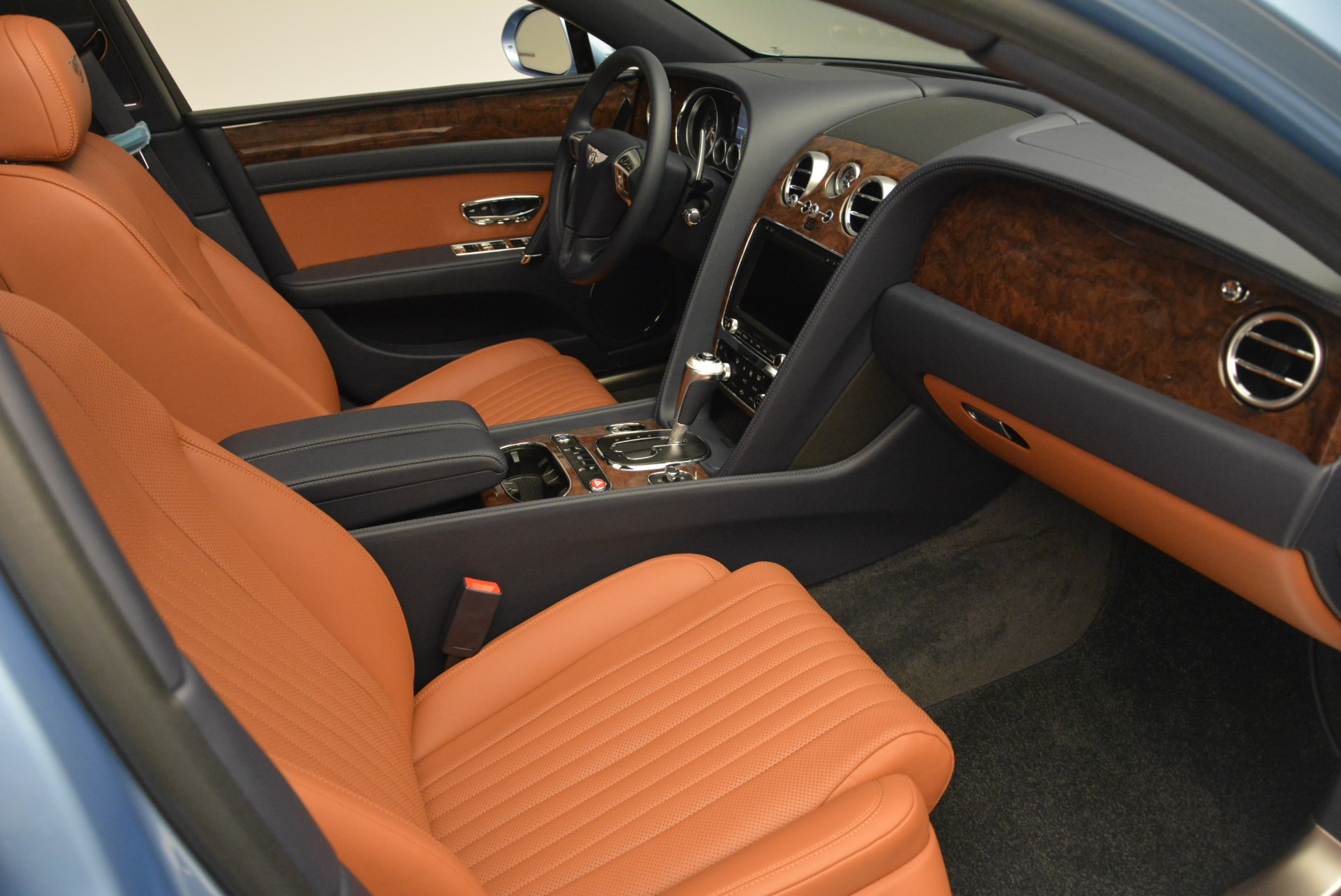 New 2018 Bentley Flying Spur V8 For Sale In Greenwich, CT 2484_p22