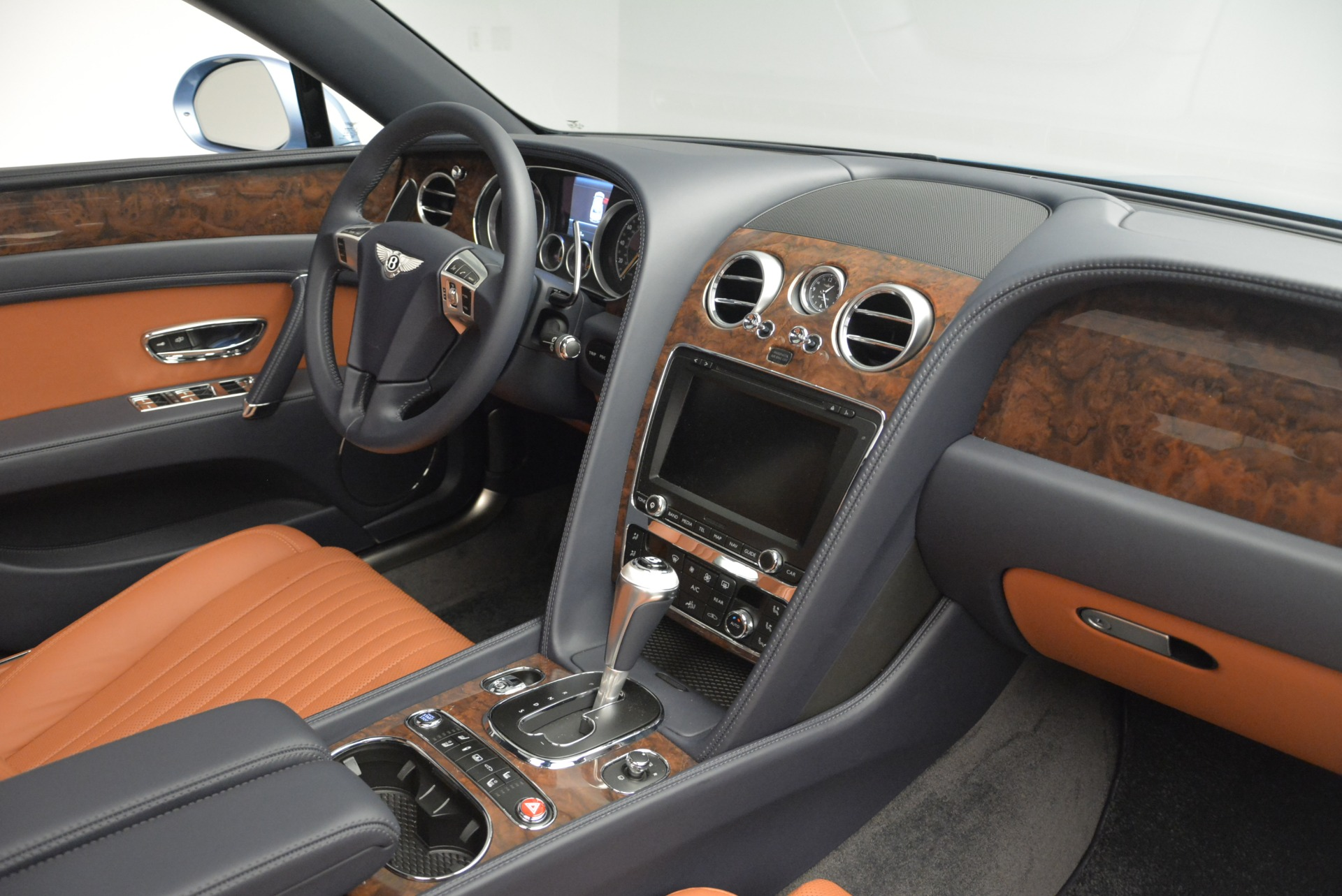 New 2018 Bentley Flying Spur V8 For Sale In Greenwich, CT 2484_p24