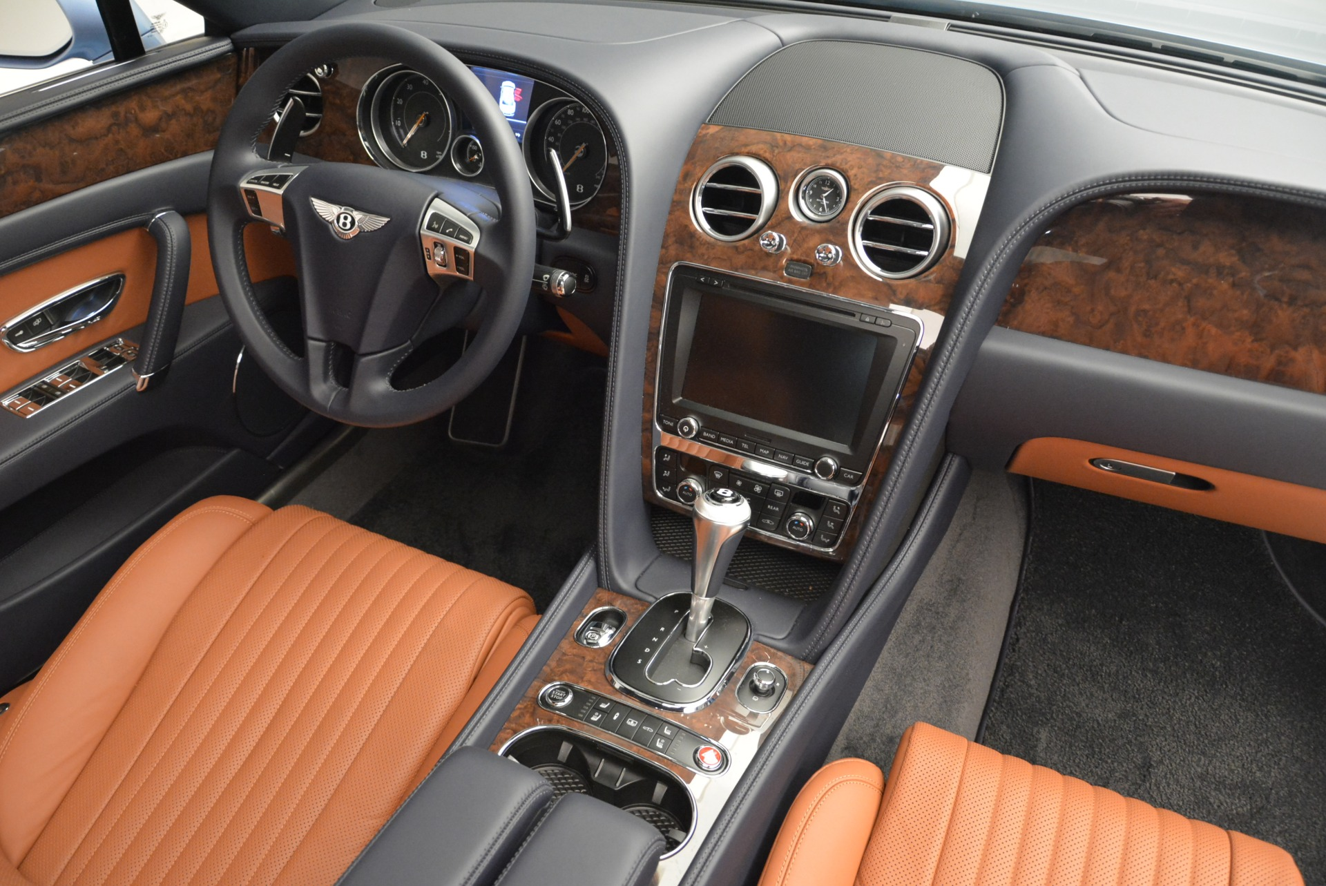 New 2018 Bentley Flying Spur V8 For Sale In Greenwich, CT 2484_p28