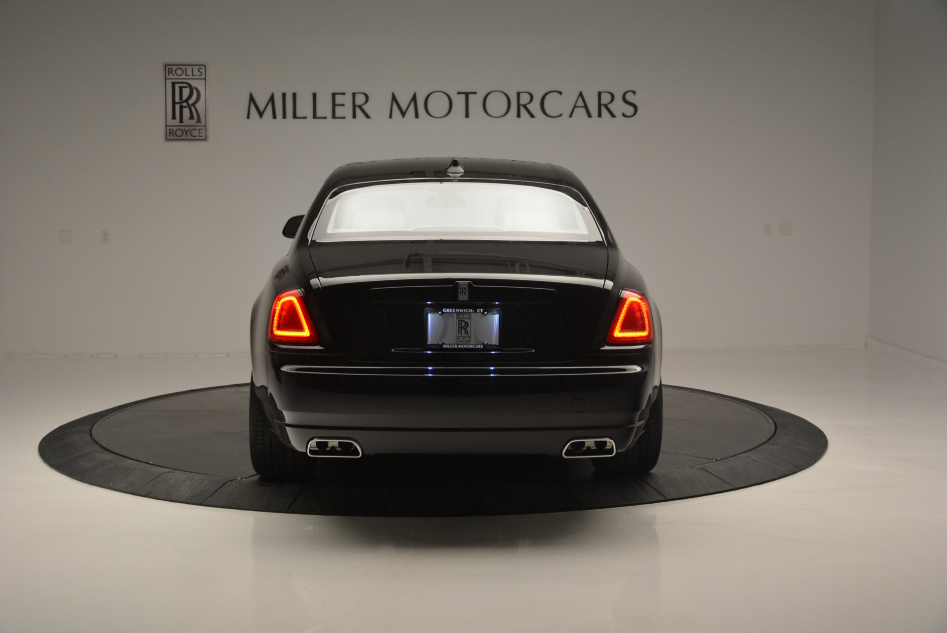 Used 2019 Rolls-Royce Ghost  For Sale In Greenwich, CT 2485_p5