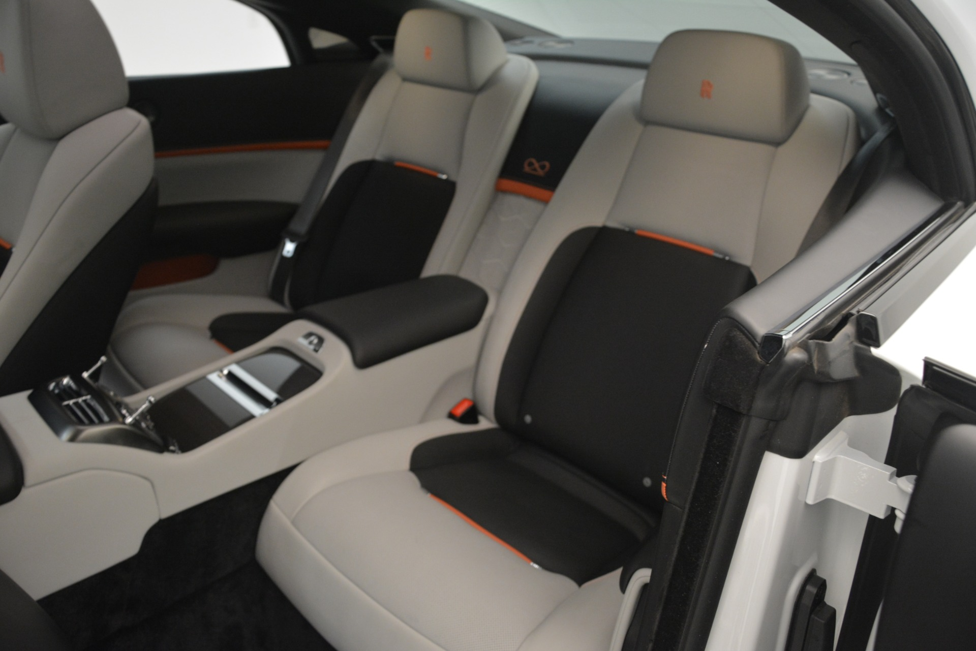 Used 2018 Rolls-Royce Wraith Black Badge Nebula Collection For Sale In Greenwich, CT 2491_p17