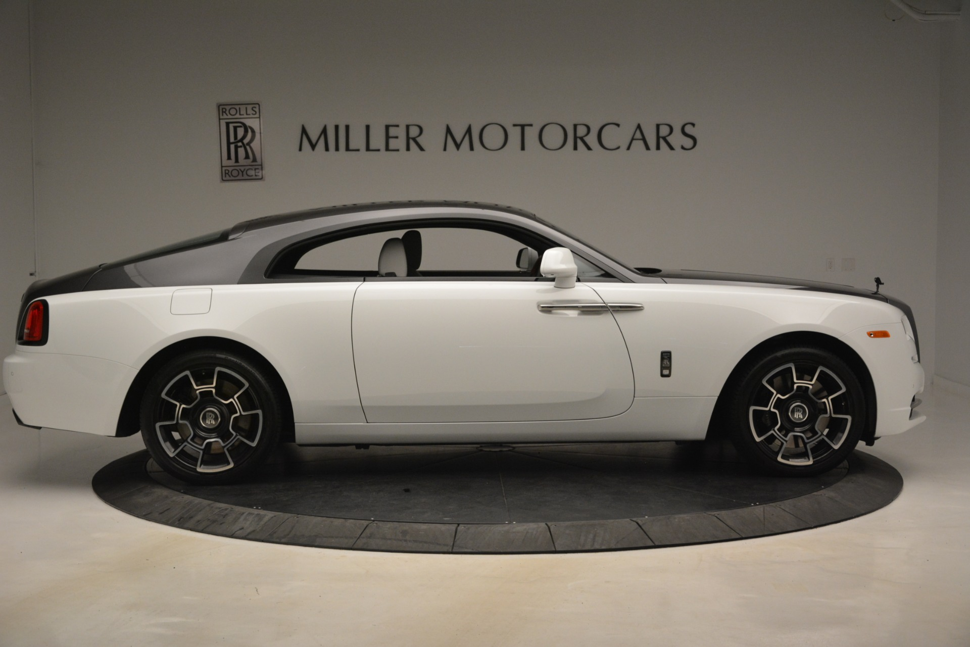 Used 2018 Rolls-Royce Wraith Black Badge Nebula Collection For Sale In Greenwich, CT 2491_p9