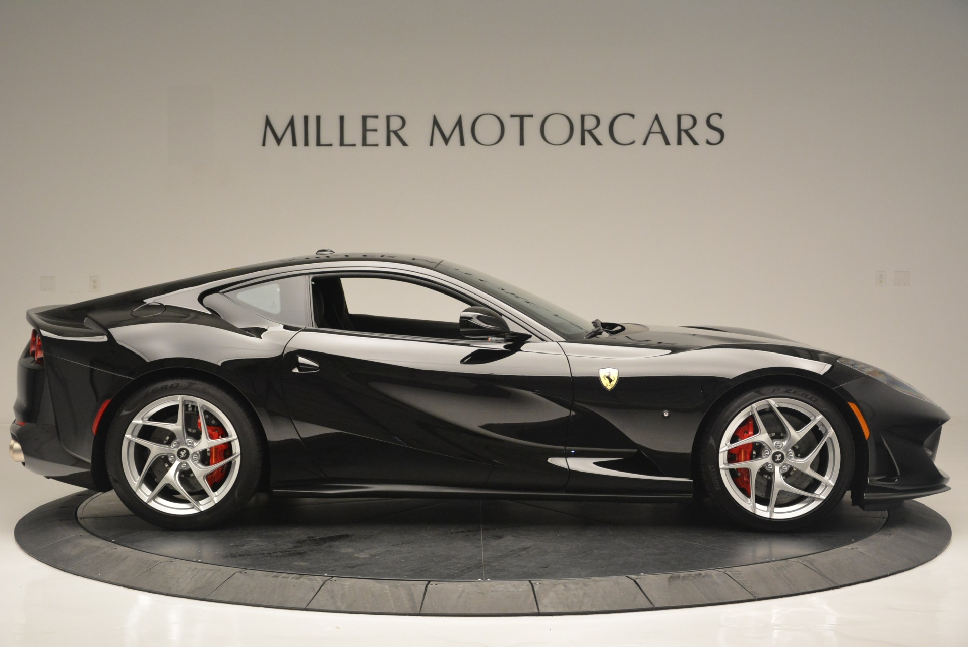 Used 2018 Ferrari 812 Superfast  For Sale In Greenwich, CT 2511_p9