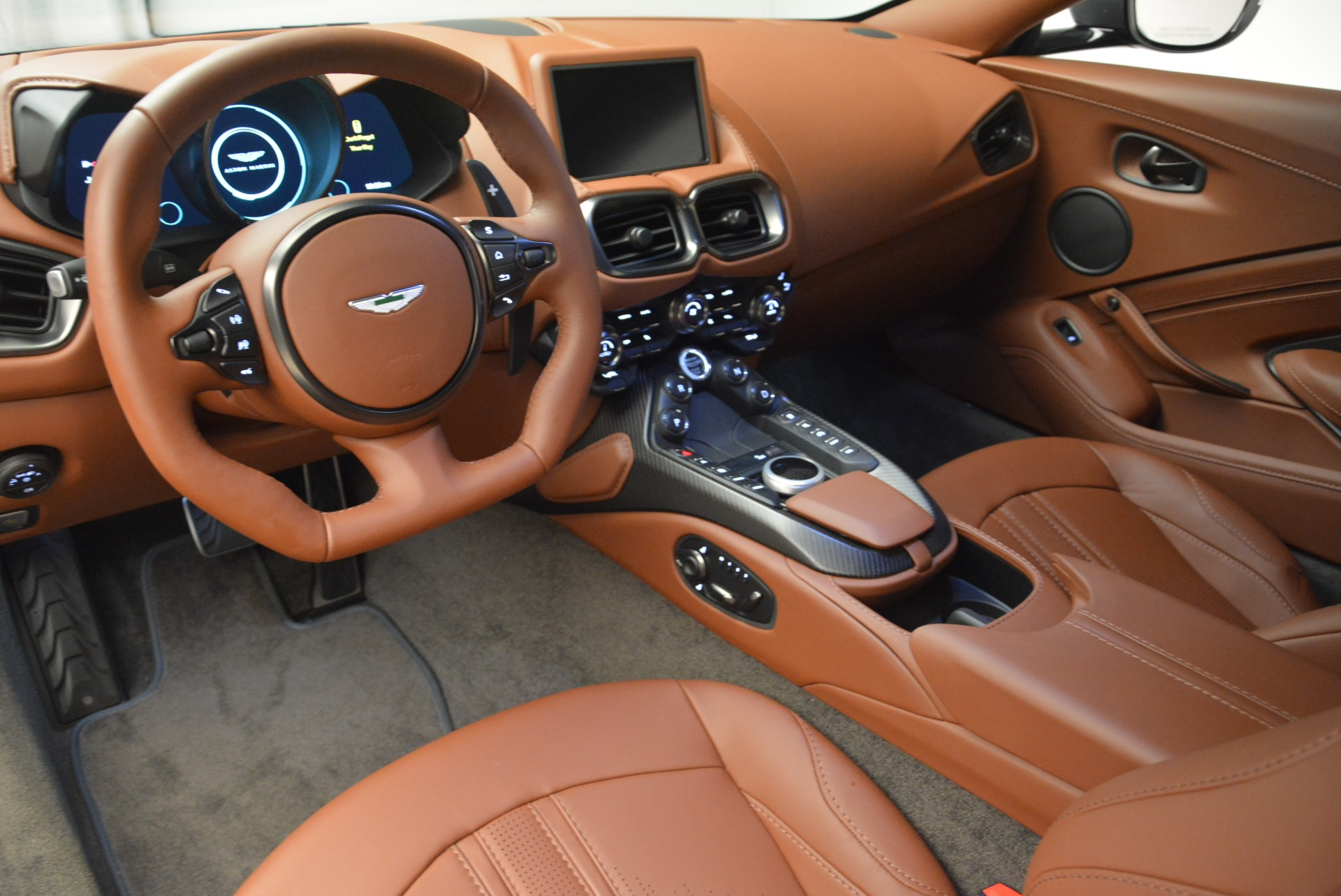 New 2019 Aston Martin Vantage Coupe For Sale In Greenwich, CT 2515_p14