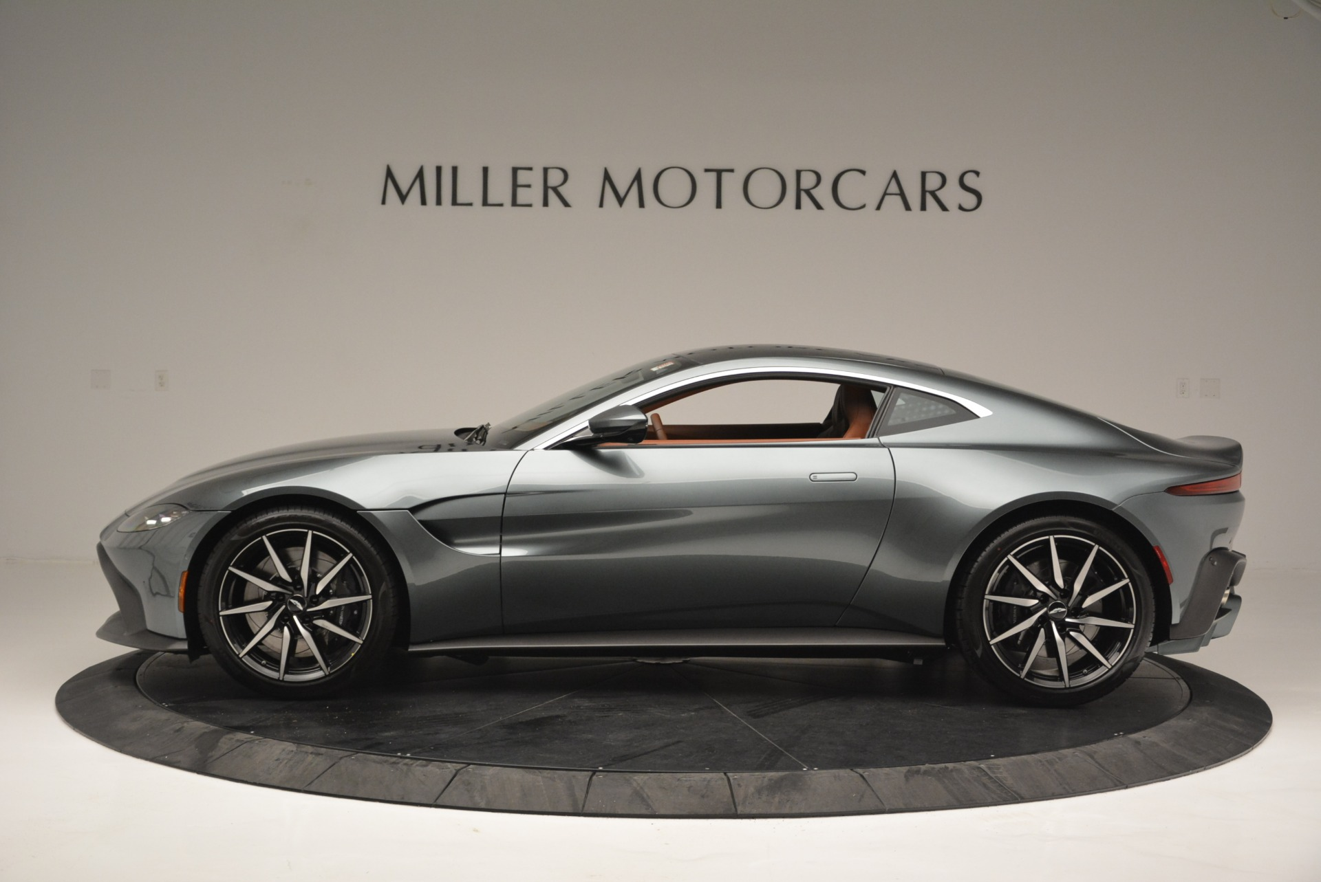 New 2019 Aston Martin Vantage Coupe For Sale In Greenwich, CT 2515_p3