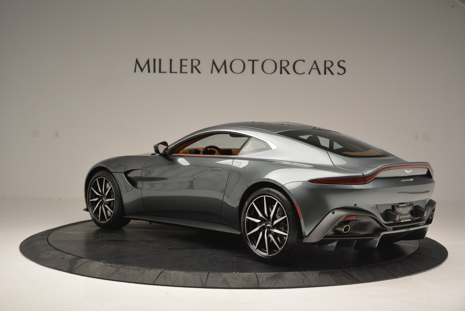 New 2019 Aston Martin Vantage Coupe For Sale In Greenwich, CT 2515_p4